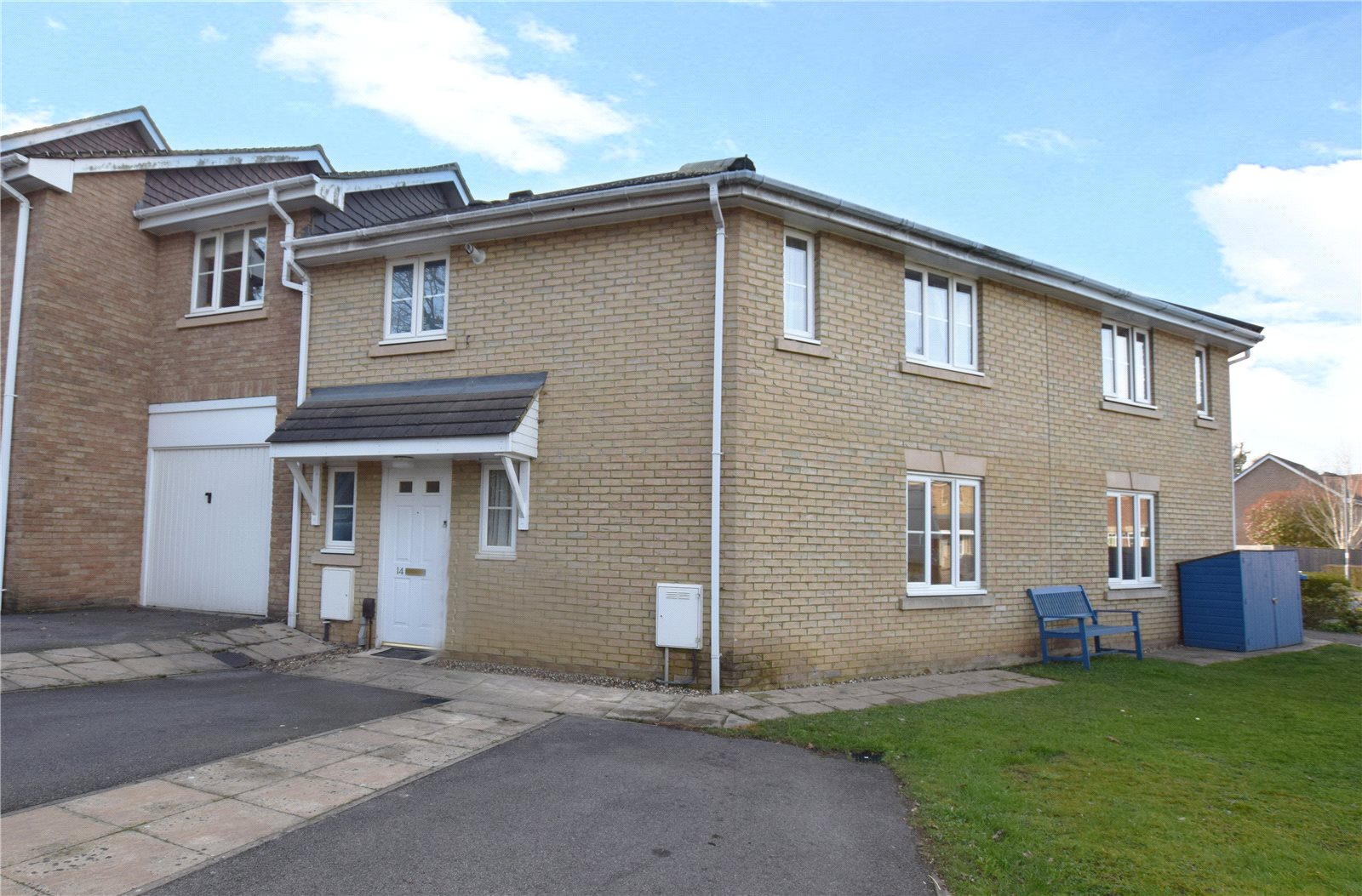 3 Bedrooms End Of Terrace House for sale in Goddard Way, Warfield, Berkshire, RG42