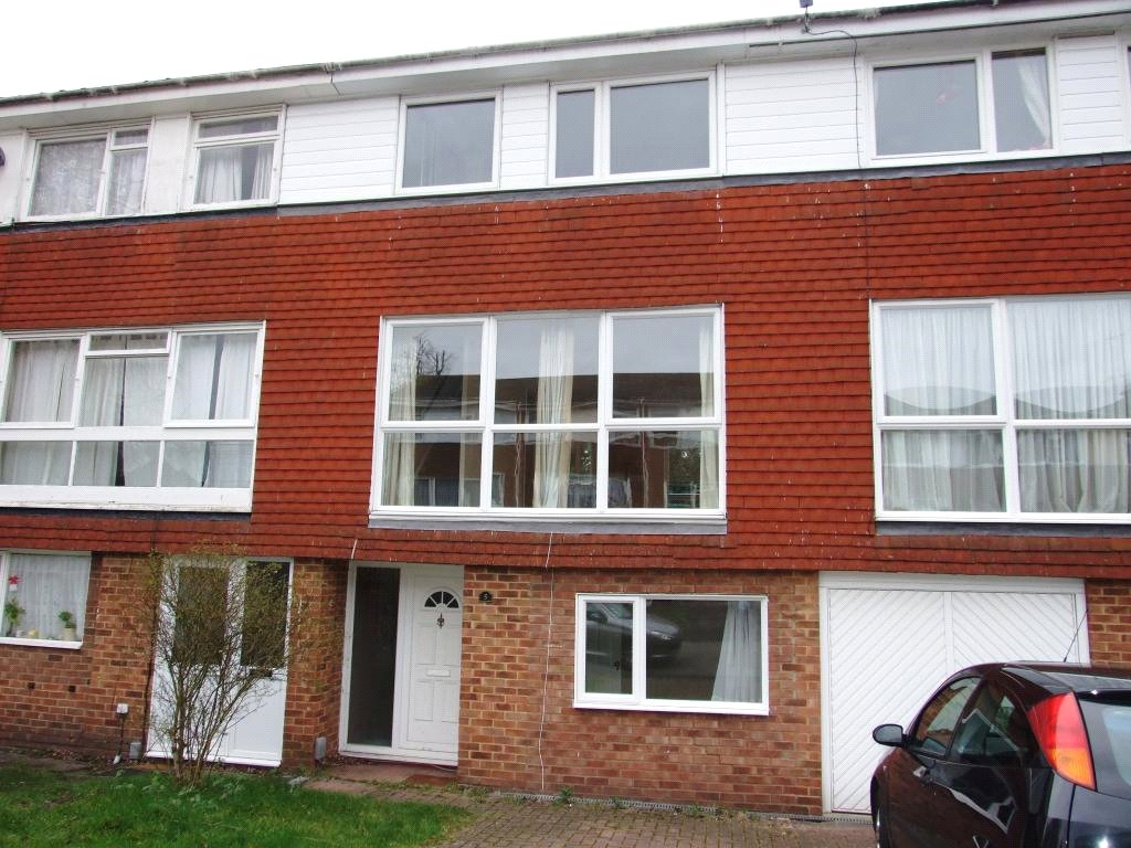 4 Bedrooms Terraced House for sale in Kenton Close, Bracknell, Berkshire, RG12