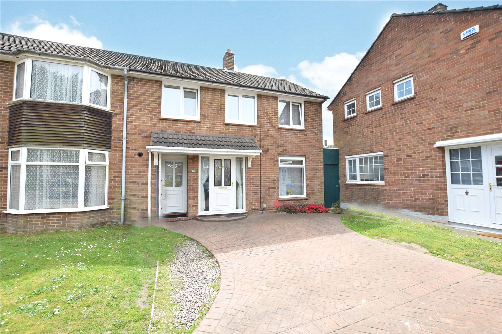 3 Bedrooms Terraced House for sale in Calfridus Way, Bracknell, Berkshire, RG12