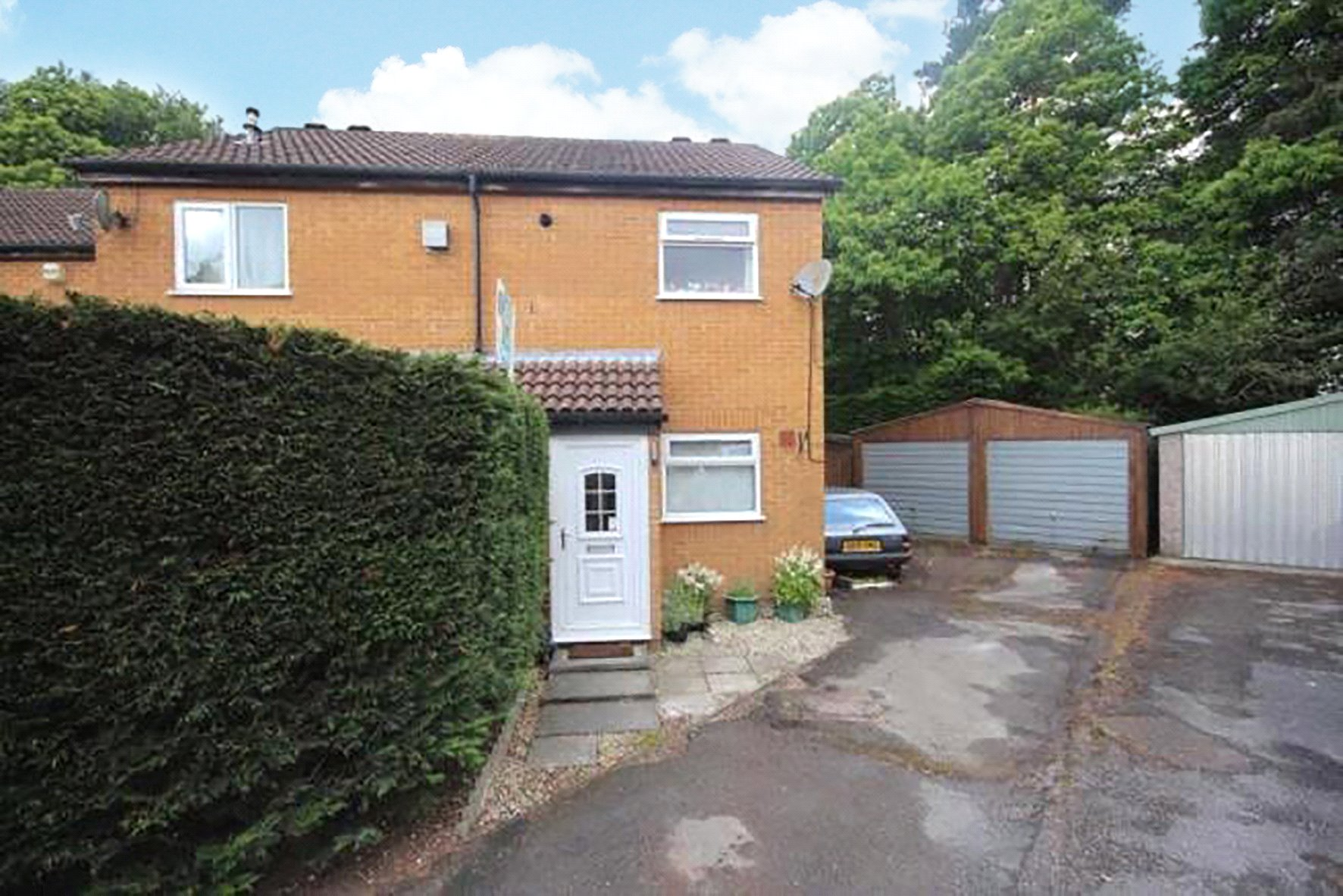 2 Bedrooms End Of Terrace House for sale in Frensham, Bracknell, Berkshire, RG12
