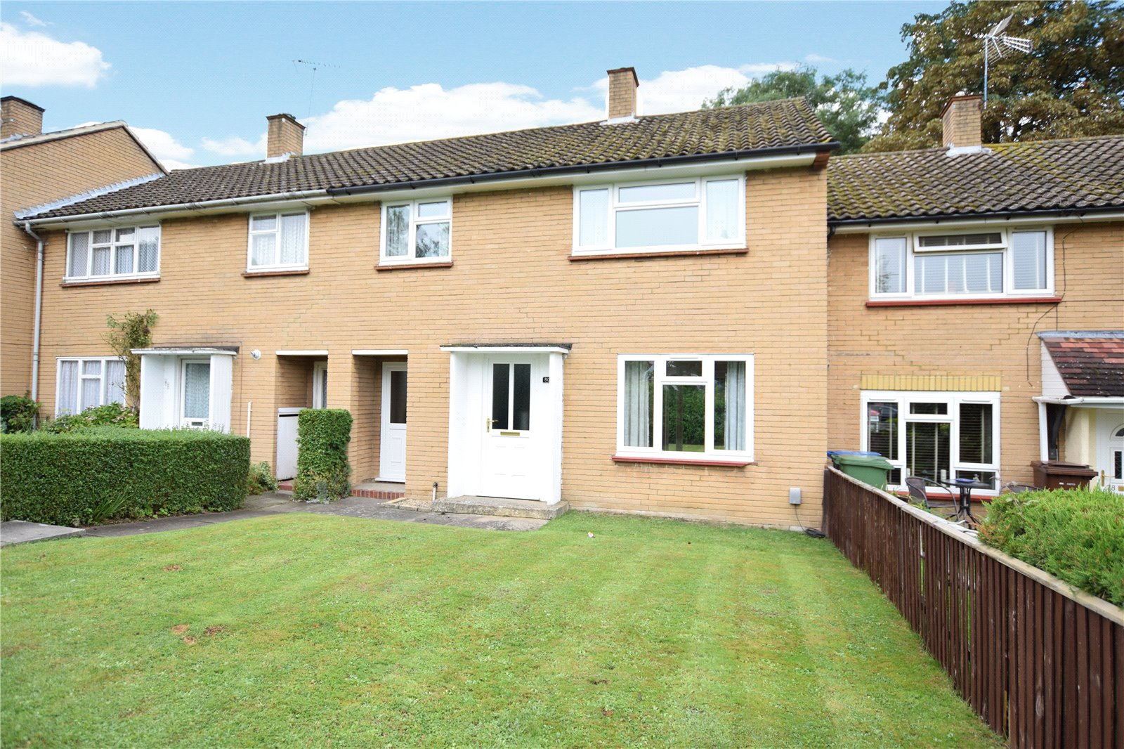 3 Bedrooms Terraced House for sale in Priestwood Avenue, Bracknell, Berkshire, RG42