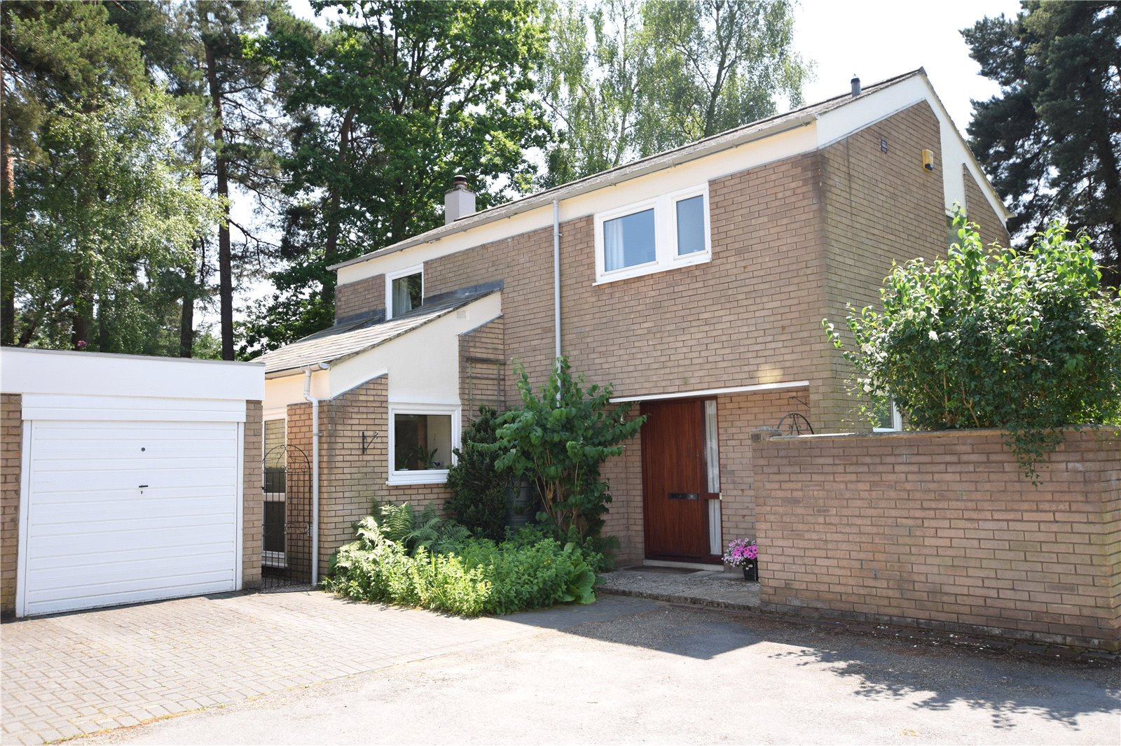 4 Bedrooms Detached House for sale in Merlewood, Bracknell, Berkshire, RG12