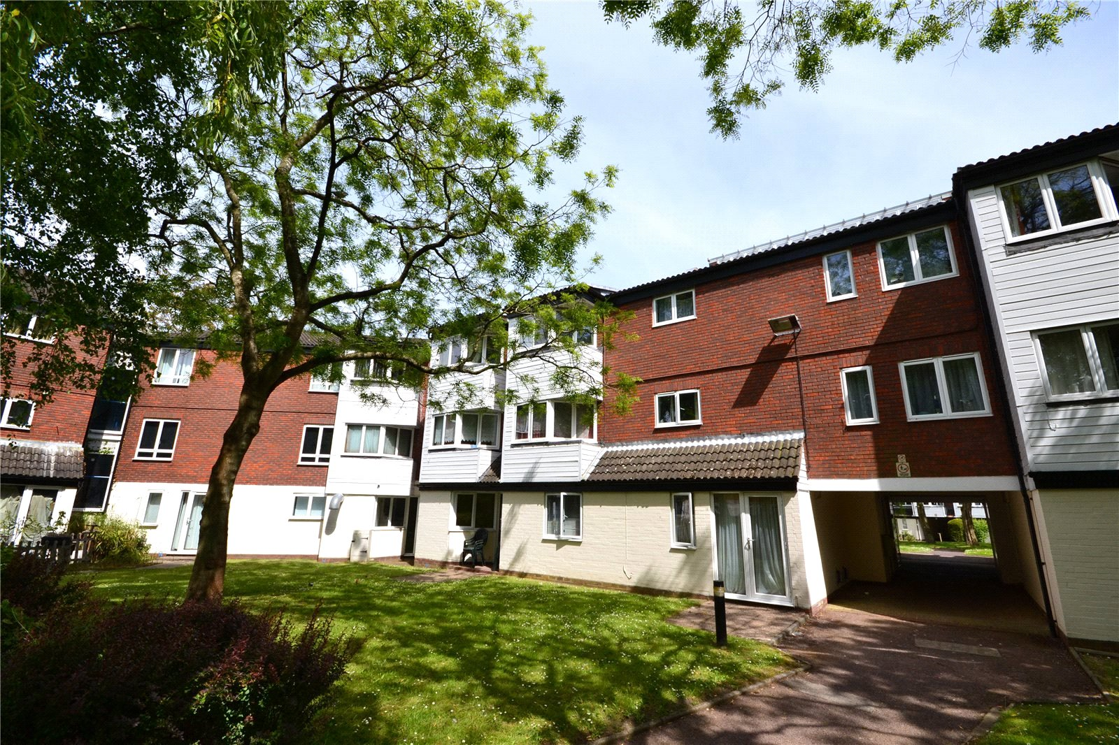 1 Bedroom Studio Flat for sale in Mount Pleasant, Mount Lane, Bracknell, Berkshire, RG12