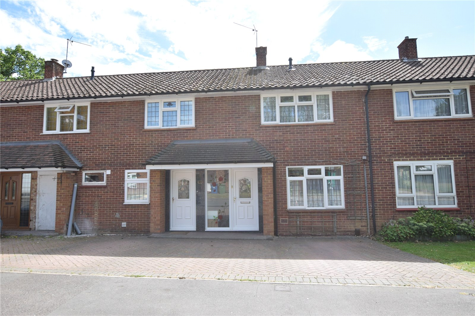 4 Bedrooms Terraced House for sale in Priestwood Avenue, Bracknell, Berkshire, RG42