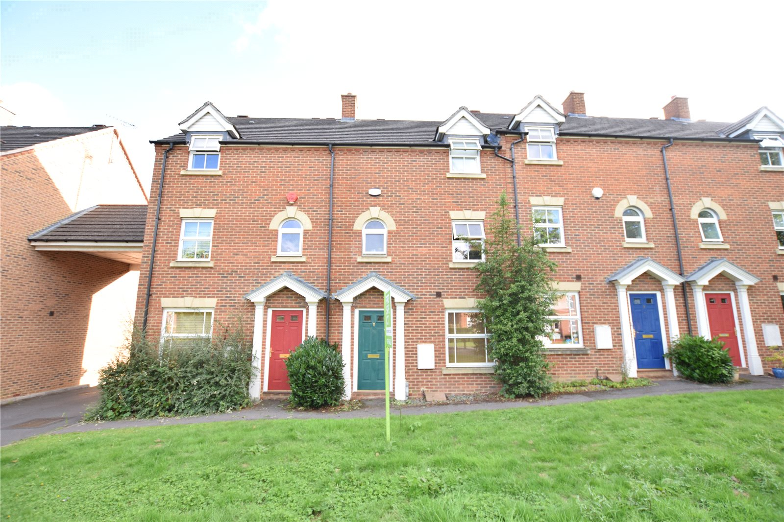 4 Bedrooms Terraced House for sale in Sycamore Rise, Bracknell, Berkshire, RG12