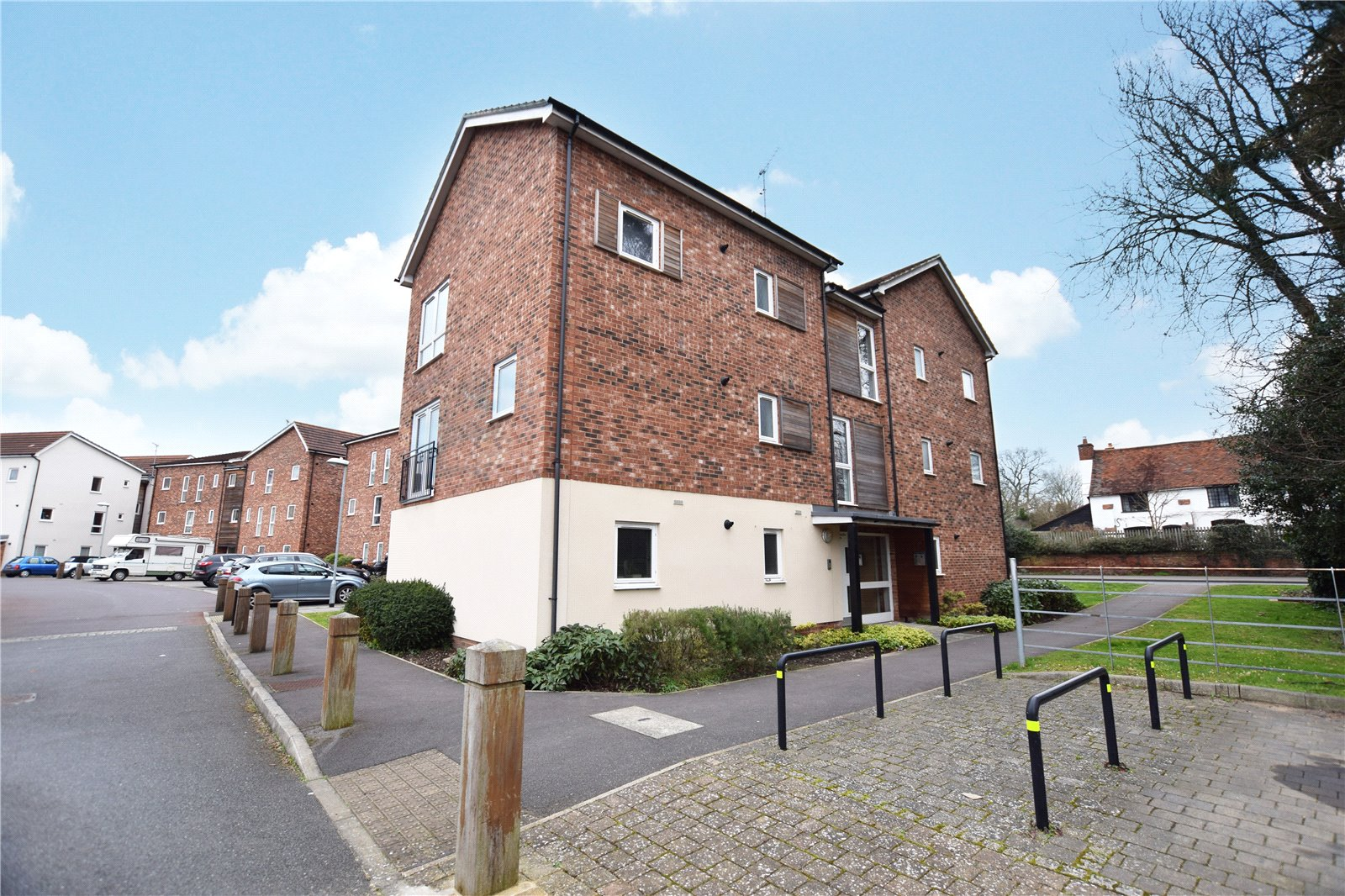 1 Bedroom Apartment Flat for sale in Hampden Crescent, Bracknell, Berkshire, RG12