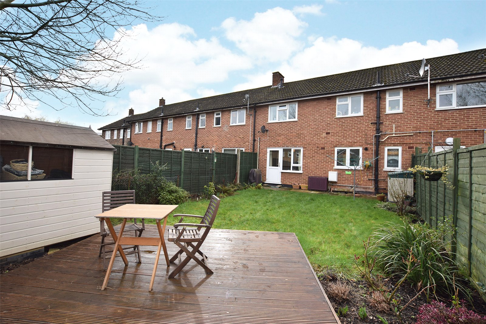 2 Bedrooms Maisonette Flat for sale in Deepfield Road, Bracknell, Berkshire, RG12