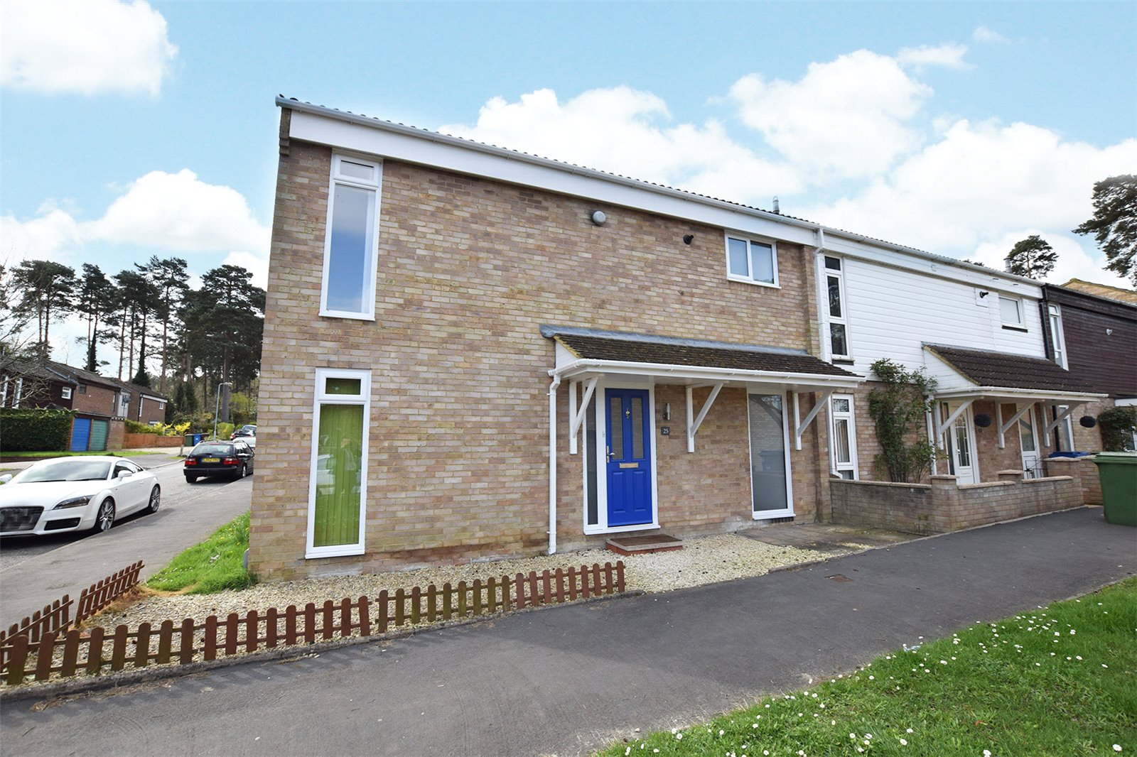 3 Bedrooms End Of Terrace House for sale in Oakengates, Bracknell, Berkshire, RG12