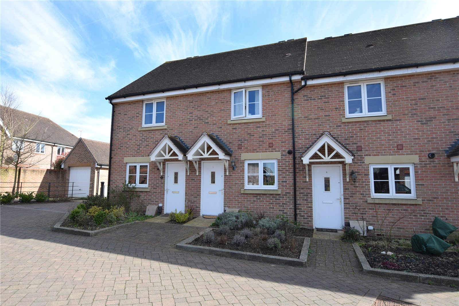 2 Bedrooms Terraced House for sale in Pipit Green, Bracknell, Berkshire, RG12