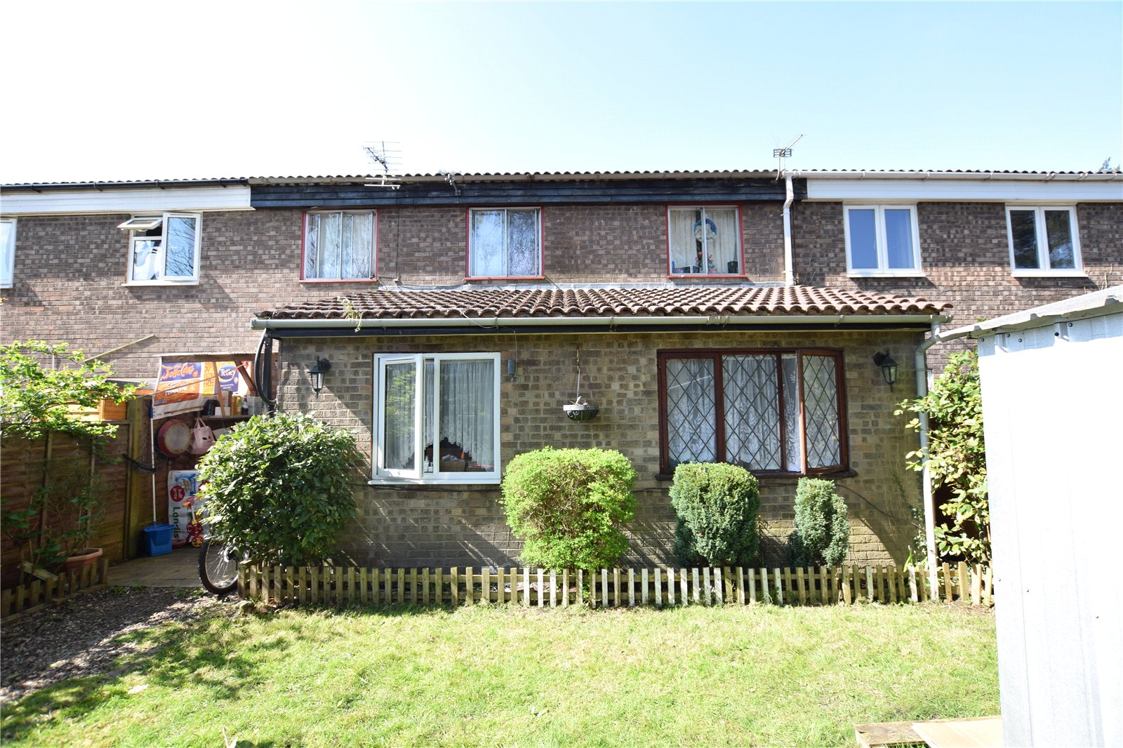 3 Bedrooms Terraced House for sale in Oakdale, Bracknell, Berkshire, RG12