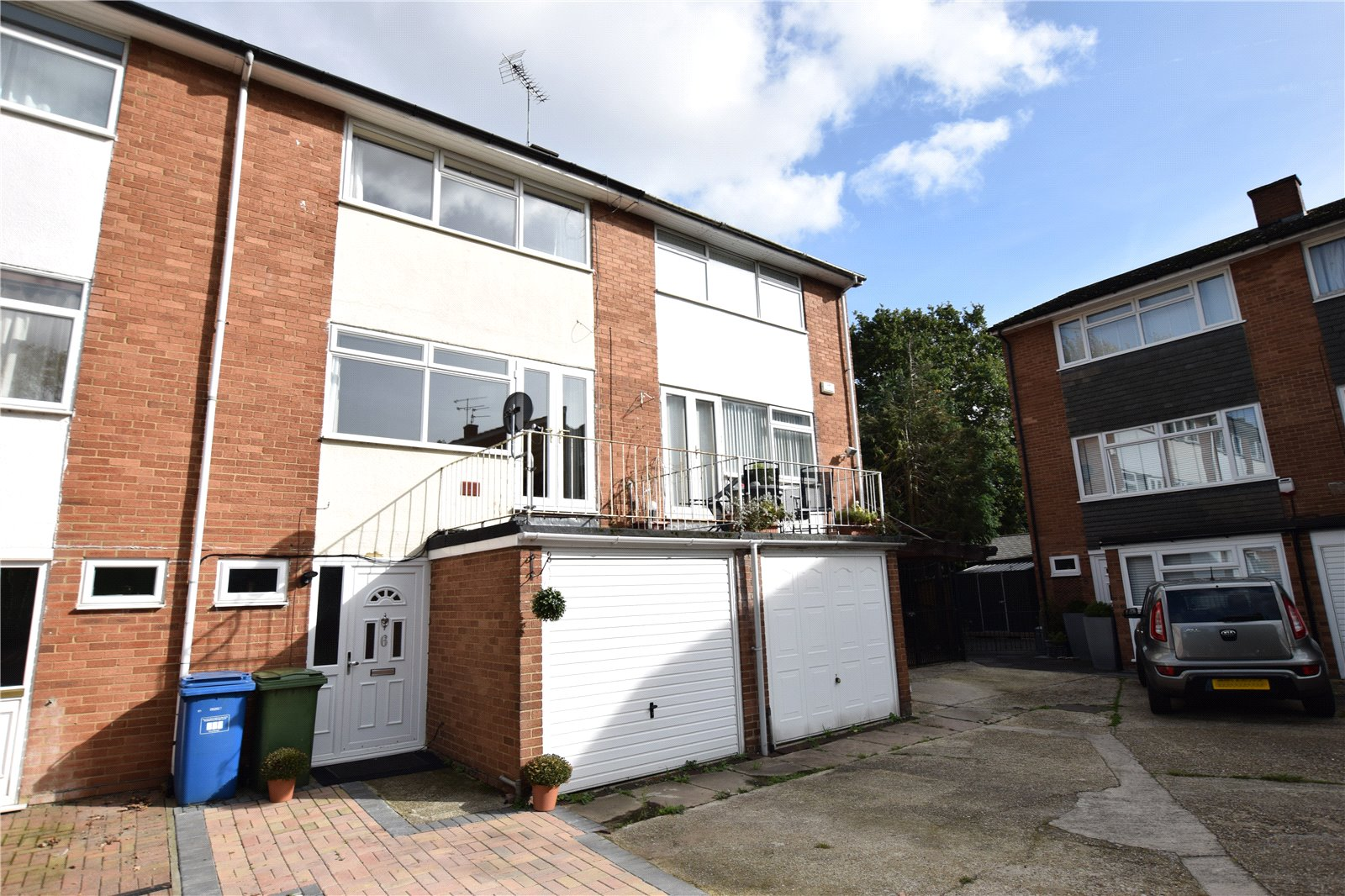 4 Bedrooms Terraced House for sale in Rokeby Close, Bracknell, Berkshire, RG12