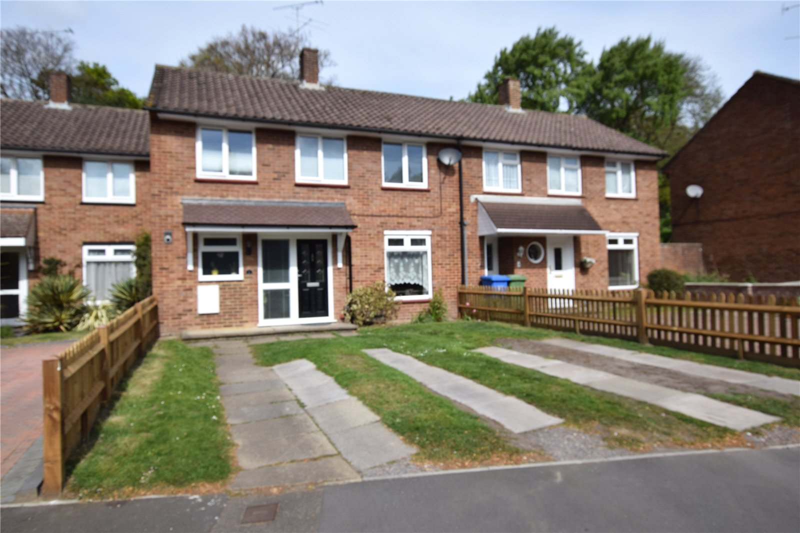3 Bedrooms Terraced House for sale in Drovers Way, Bracknell, Berkshire, RG12