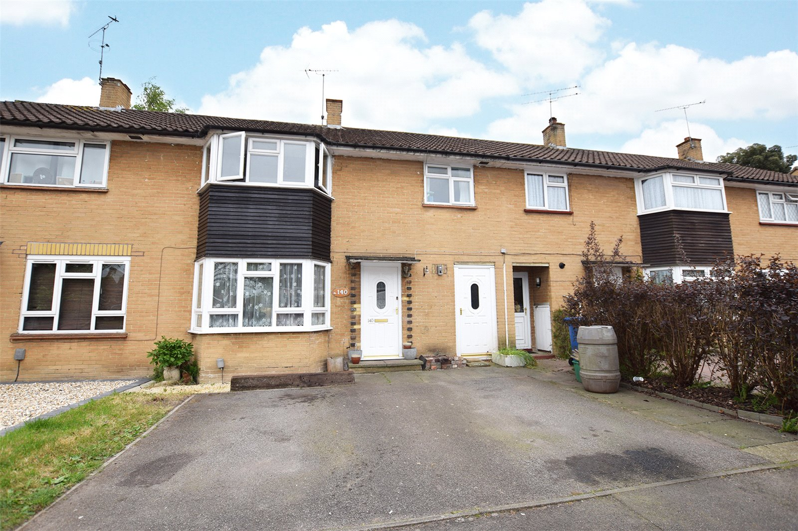 3 Bedrooms Terraced House for sale in Moordale Avenue, Bracknell, Berkshire, RG42