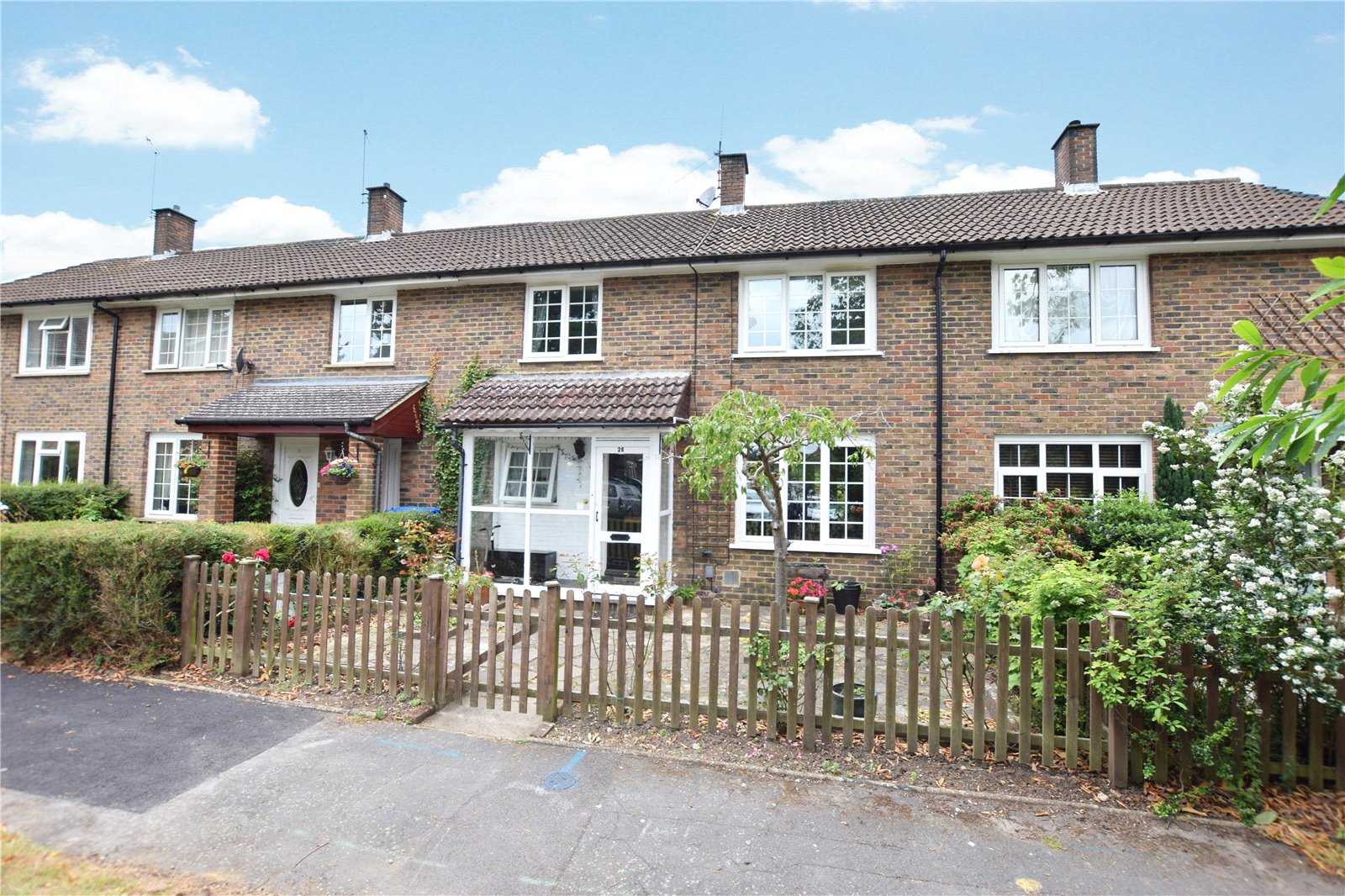3 Bedrooms Terraced House for sale in Clive Green, Bracknell, Berkshire, RG12