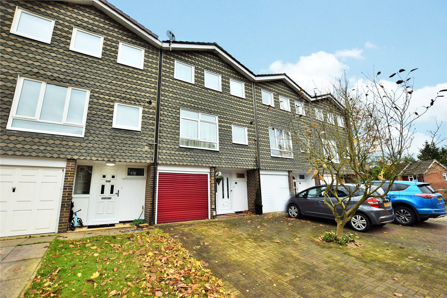 3 Bedrooms Terraced House for sale in Firlands, Bracknell, Berkshire, RG12