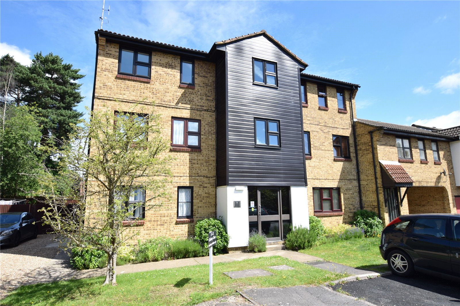 1 Bedroom Studio Flat for sale in Chisbury Close, Bracknell, Berkshire, RG12