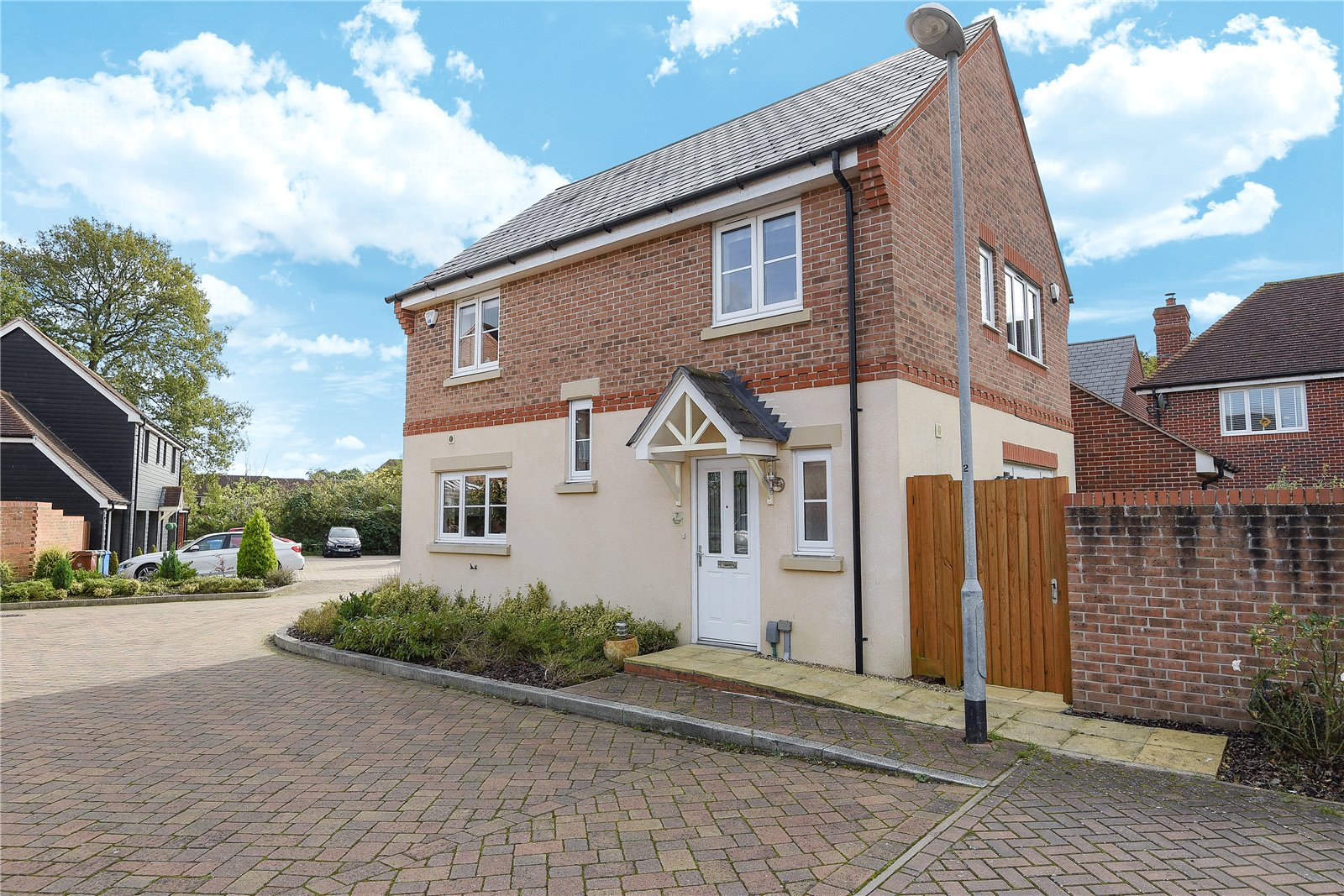 4 Bedrooms Detached House for sale in Starlings Roost, Bracknell, Berkshire, RG12