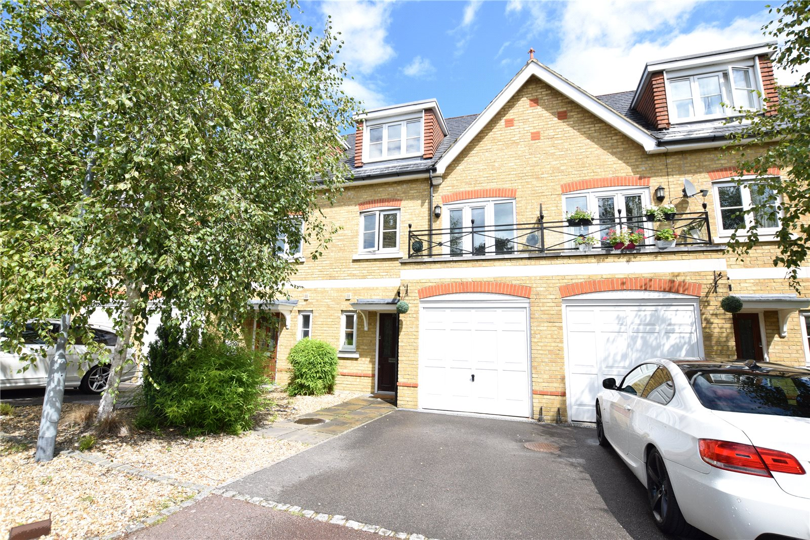 4 Bedrooms Terraced House for sale in Bardeen Place, Bracknell, Berkshire, RG12