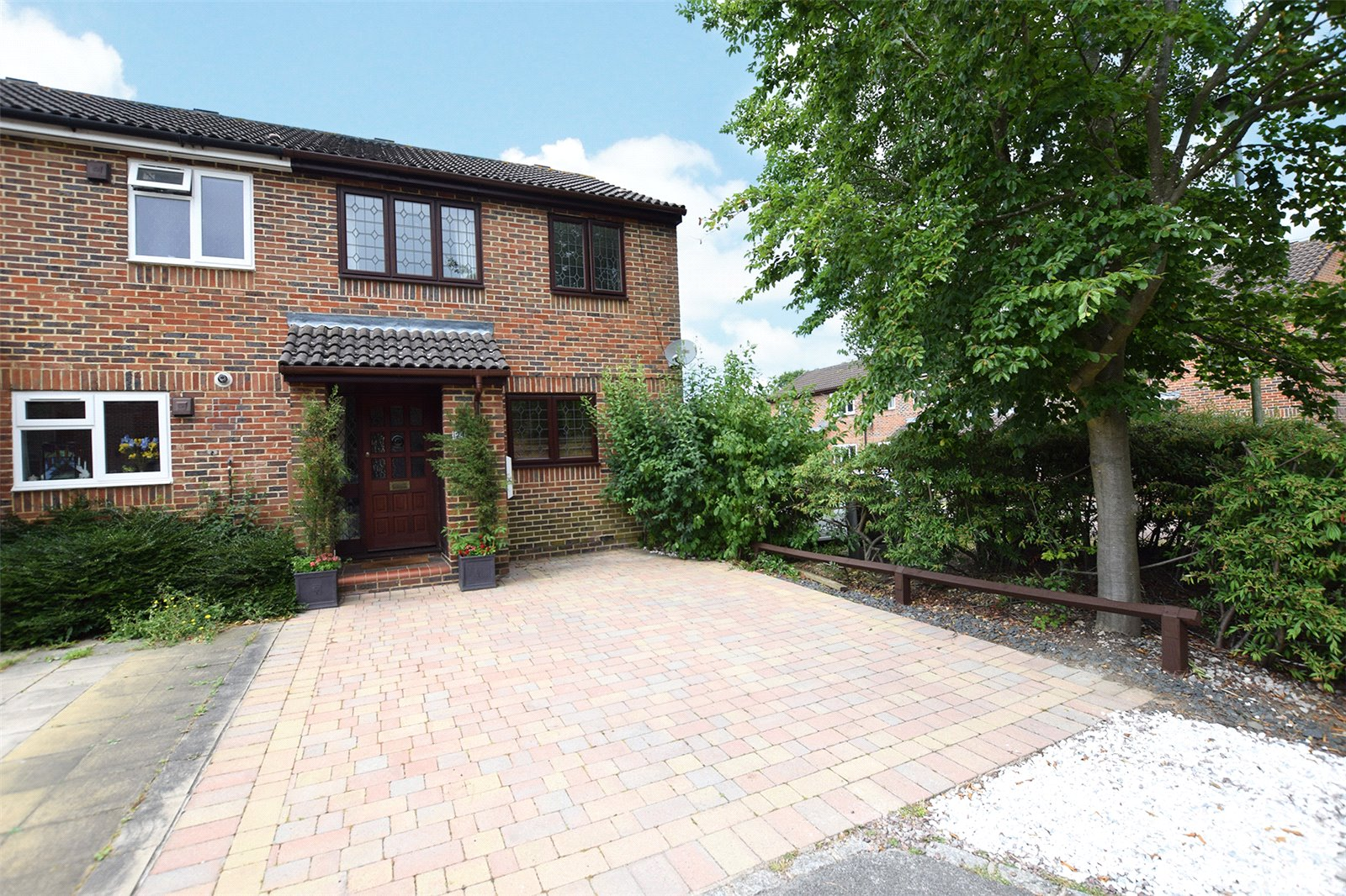 3 Bedrooms End Of Terrace House for sale in Chesterblade Lane, Bracknell, Berkshire, RG12