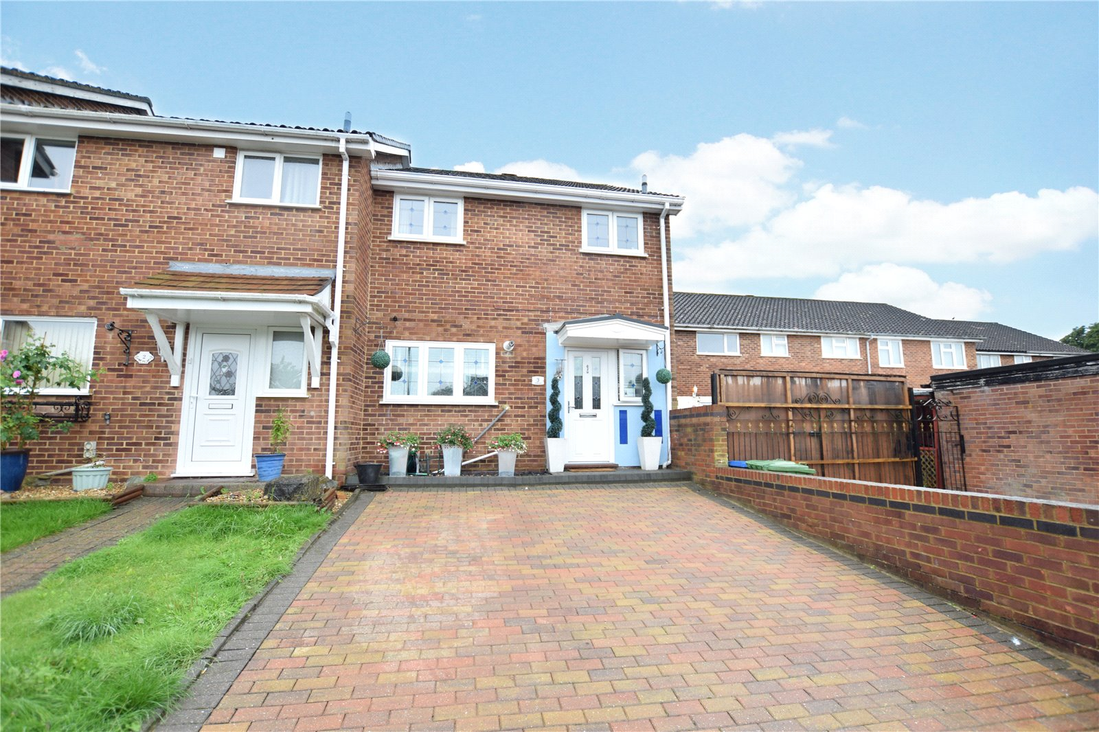 3 Bedrooms End Of Terrace House for sale in Carnoustie, Bracknell, Berkshire, RG12