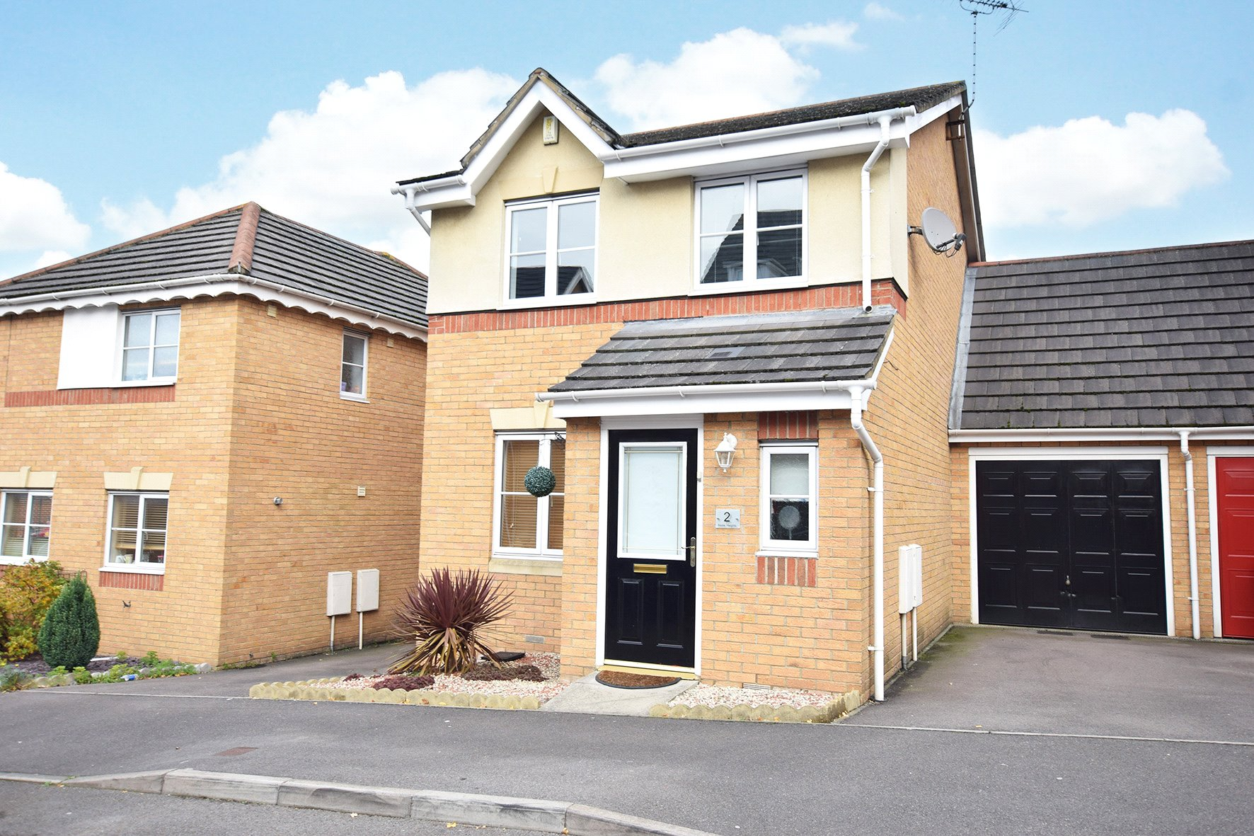 3 Bedrooms Link Detached House for sale in Boole Heights, Bracknell, Berkshire, RG12