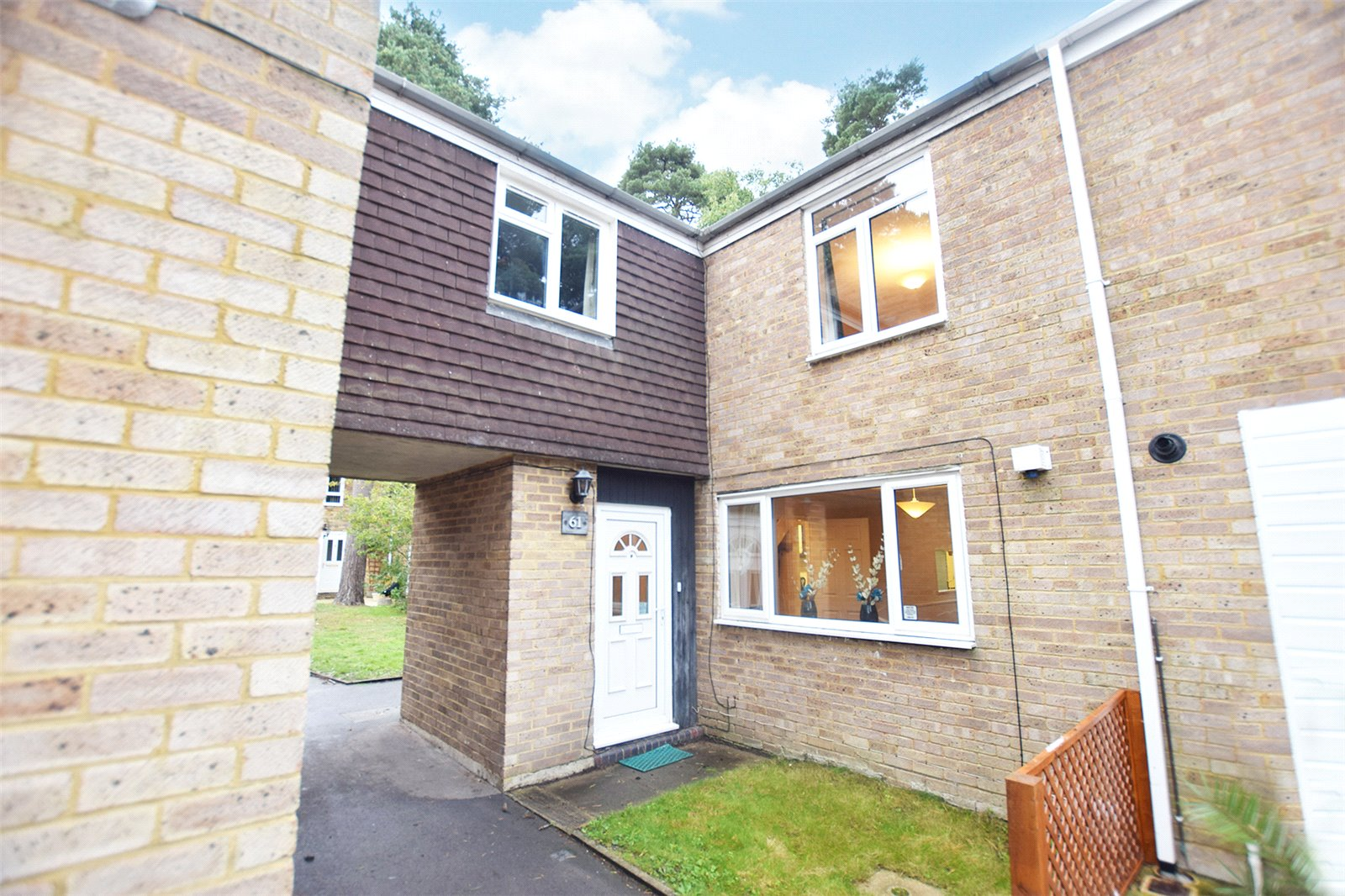 2 Bedrooms Terraced House for sale in Bucklebury, Bracknell, Berkshire, RG12