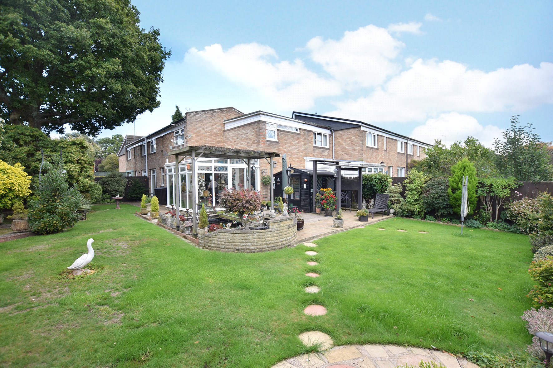 4 Bedrooms Terraced House for sale in Winscombe, Bracknell, Berkshire, RG12