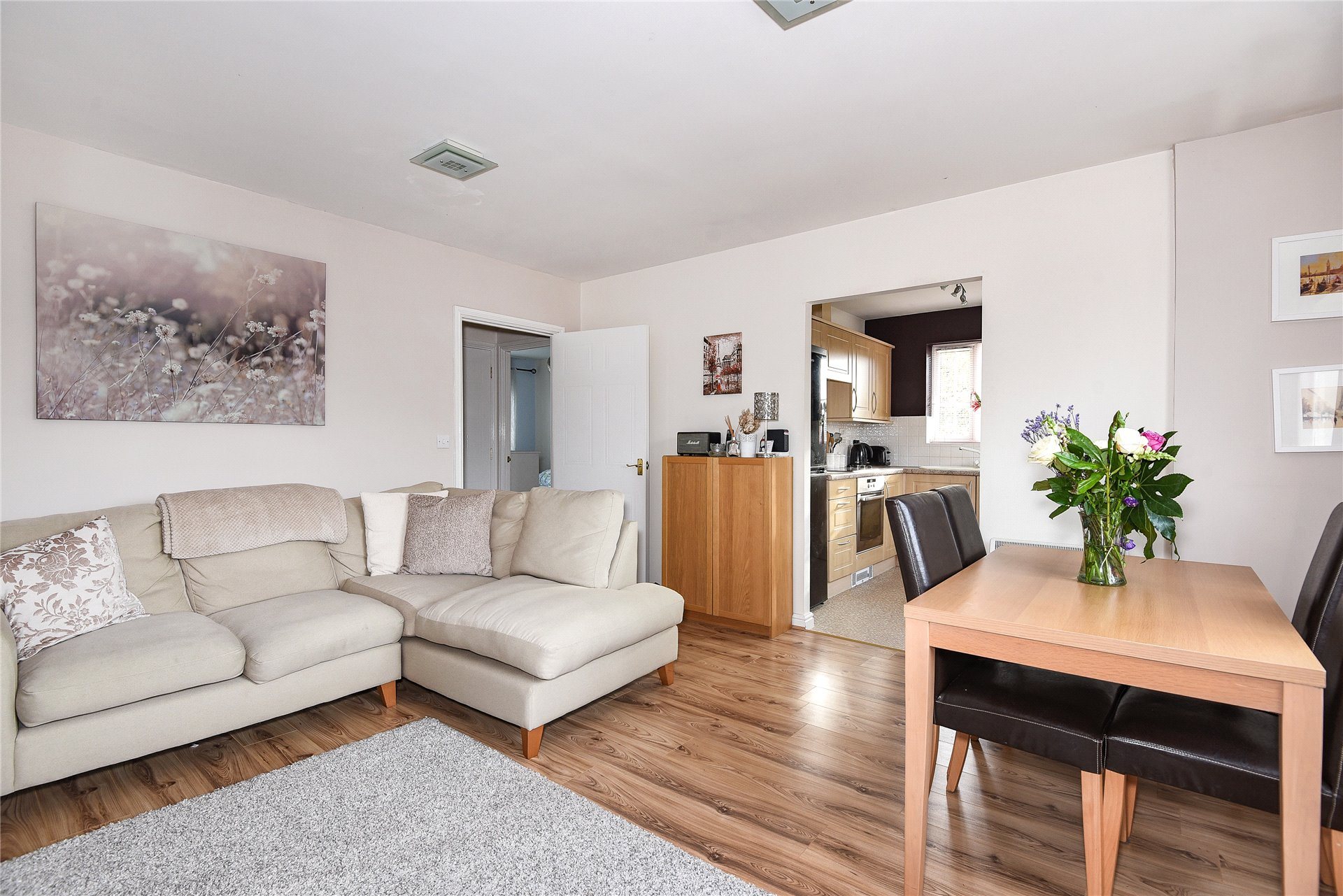 2 Bedrooms Apartment Flat for sale in Hopper Vale, Bracknell, Berkshire, RG12