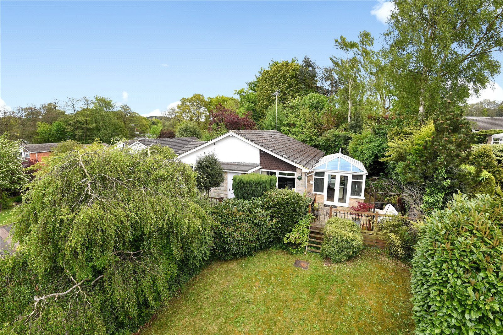 4 Bedrooms Detached Bungalow for sale in Alphington Avenue, Frimley, Camberley, Surrey, GU16