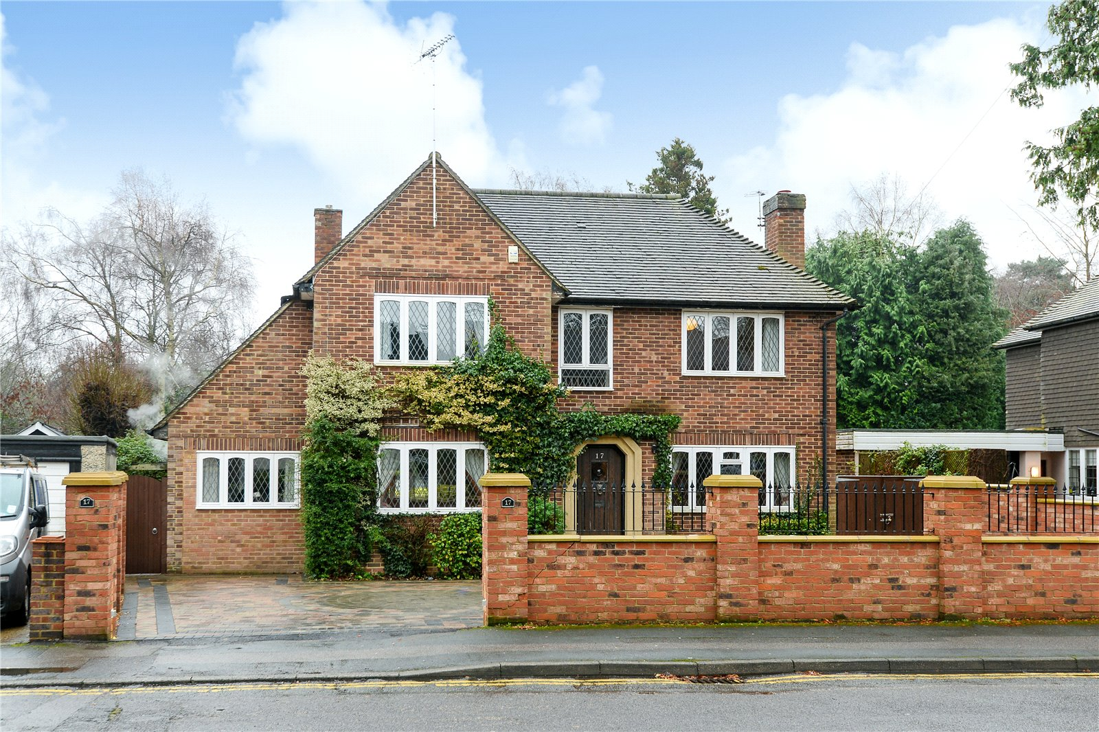 5 Bedrooms Detached House for sale in Firwood Drive, Camberley, Surrey, GU15