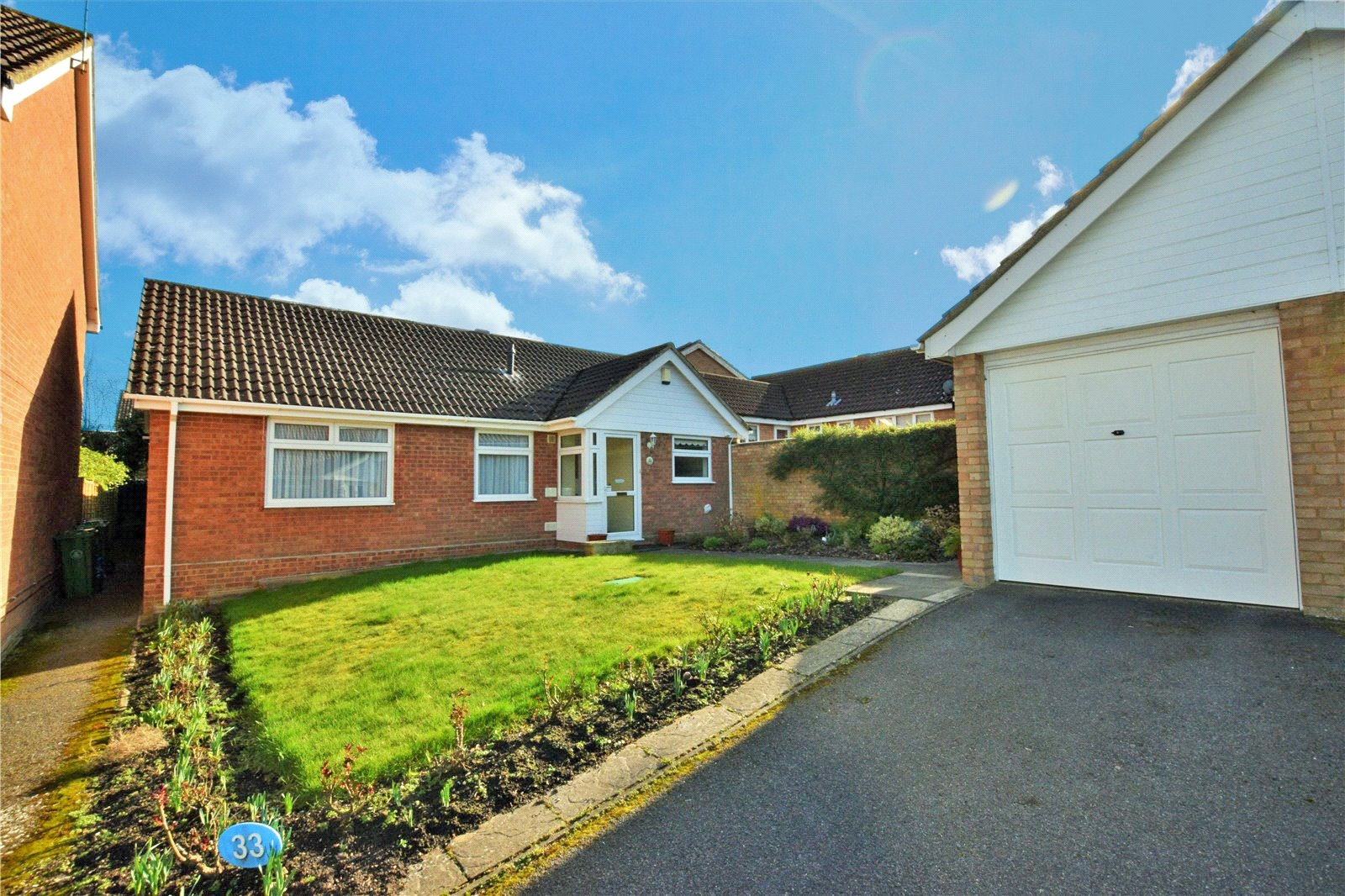 3 Bedrooms Detached Bungalow for sale in Windsor Way, Frimley, Camberley, Surrey, GU16