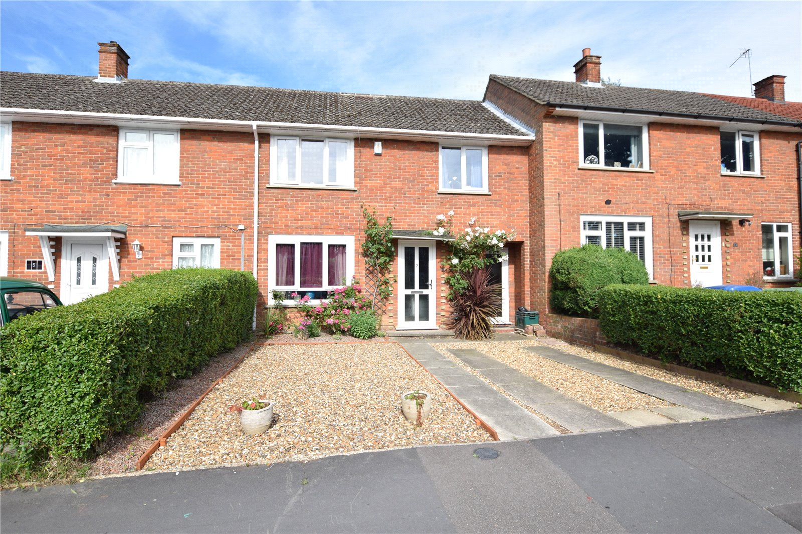 3 Bedrooms Terraced House for sale in Pondmoor Road, Bracknell, Berkshire, RG12