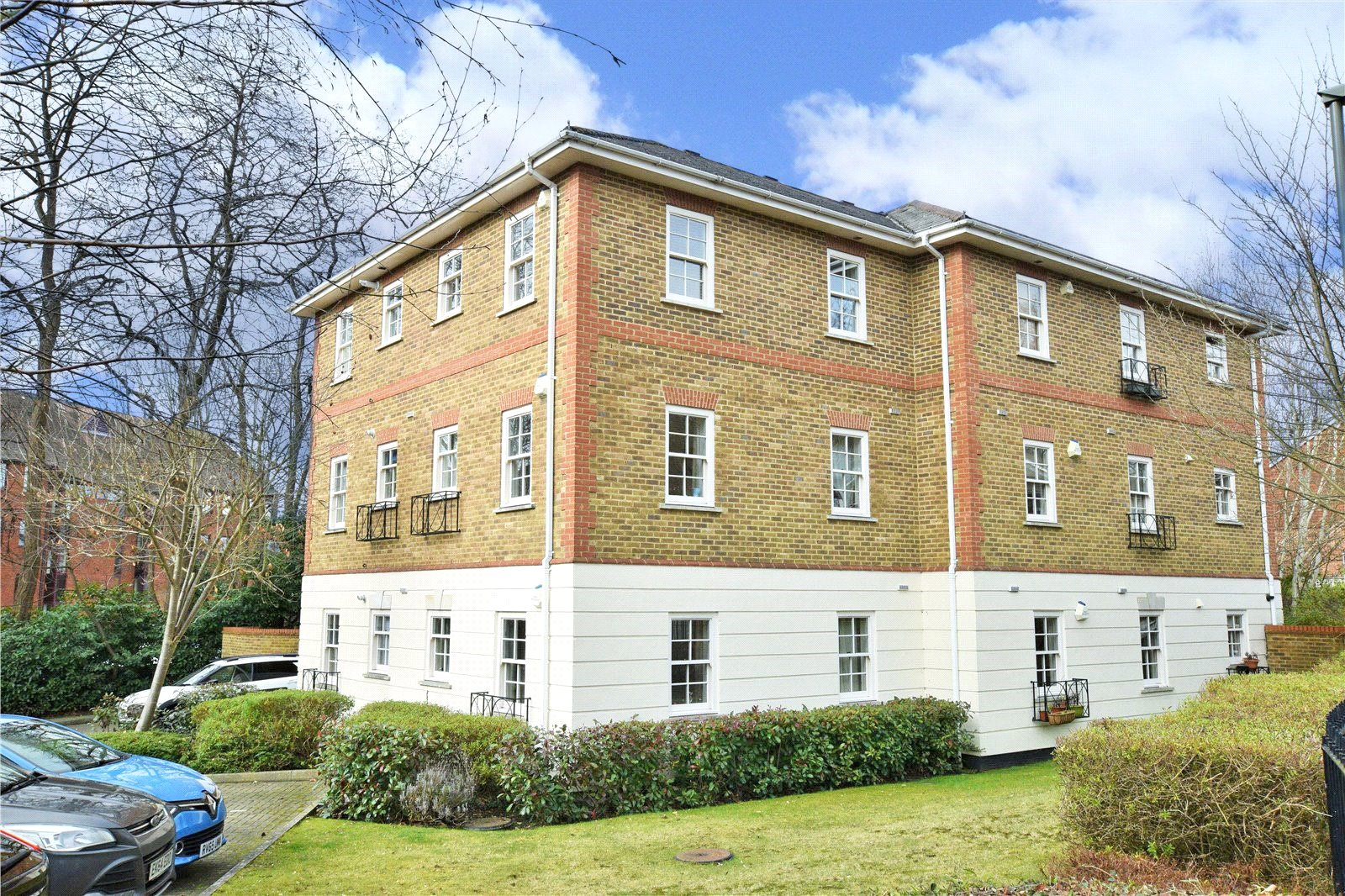 2 Bedrooms Apartment Flat for sale in Townside Place, Camberley, Surrey, GU15