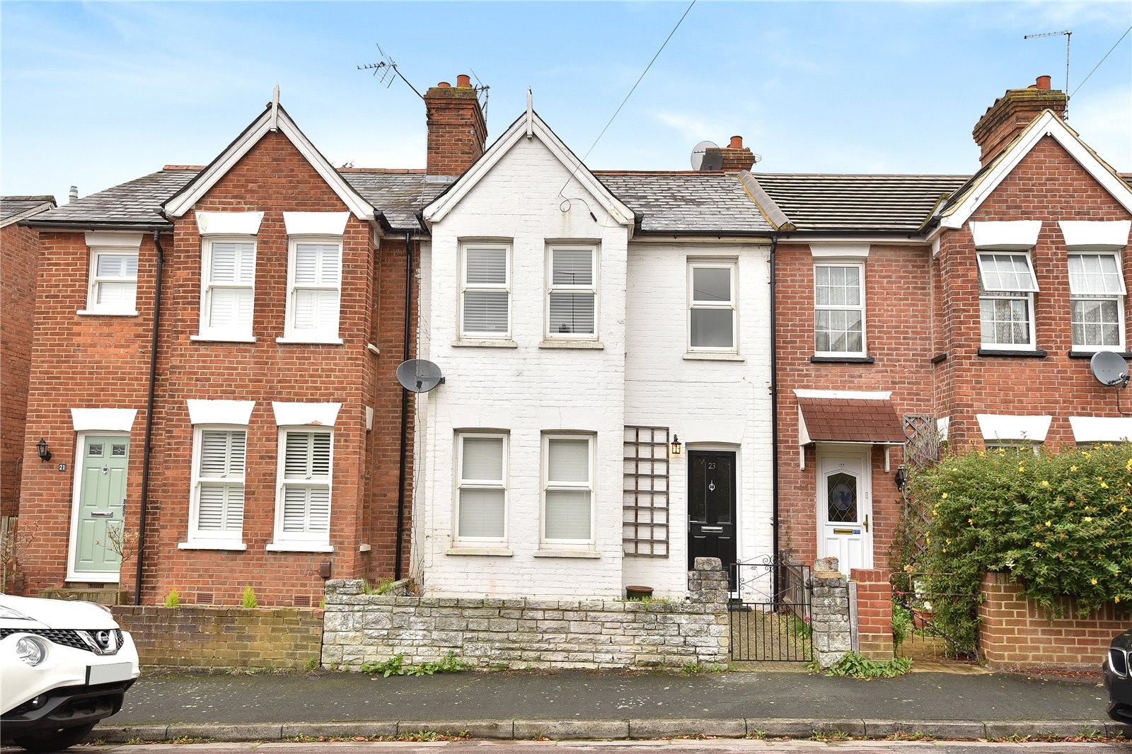 2 Bedrooms Terraced House for sale in Cromwell Road, Camberley, Surrey, GU15