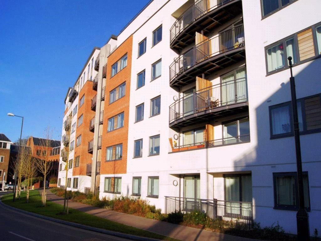 1 Bedroom Apartment Flat for sale in Aspect, Charles Street, Camberley, Surrey, GU15