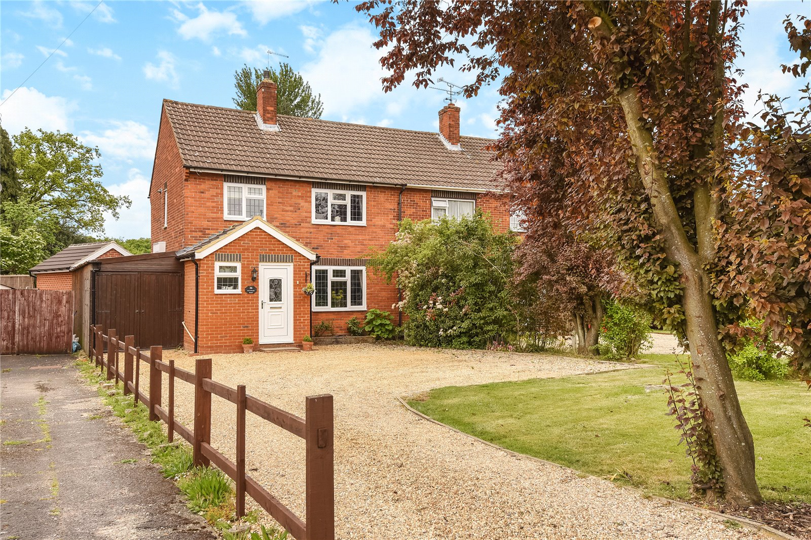 3 Bedrooms Semi Detached House for sale in Rivermead Road, Camberley, Surrey, GU15