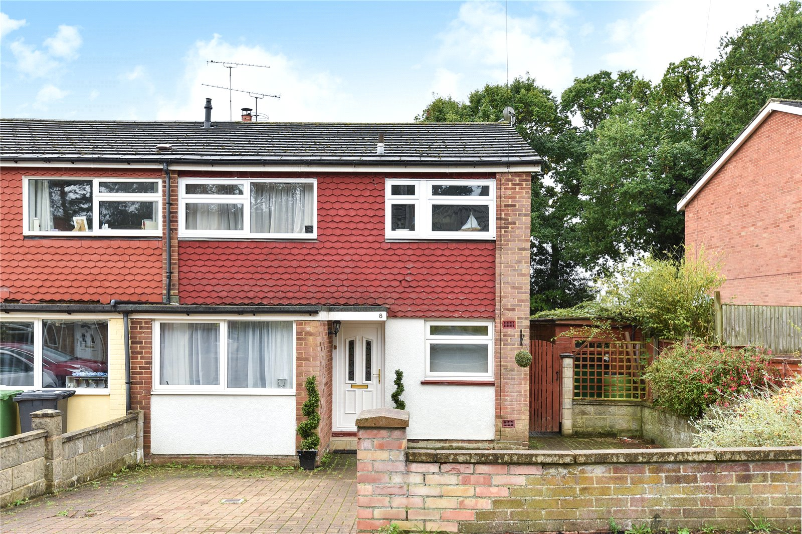 3 Bedrooms House for sale in Evergreen Road, Frimley, Camberley, Surrey, GU16