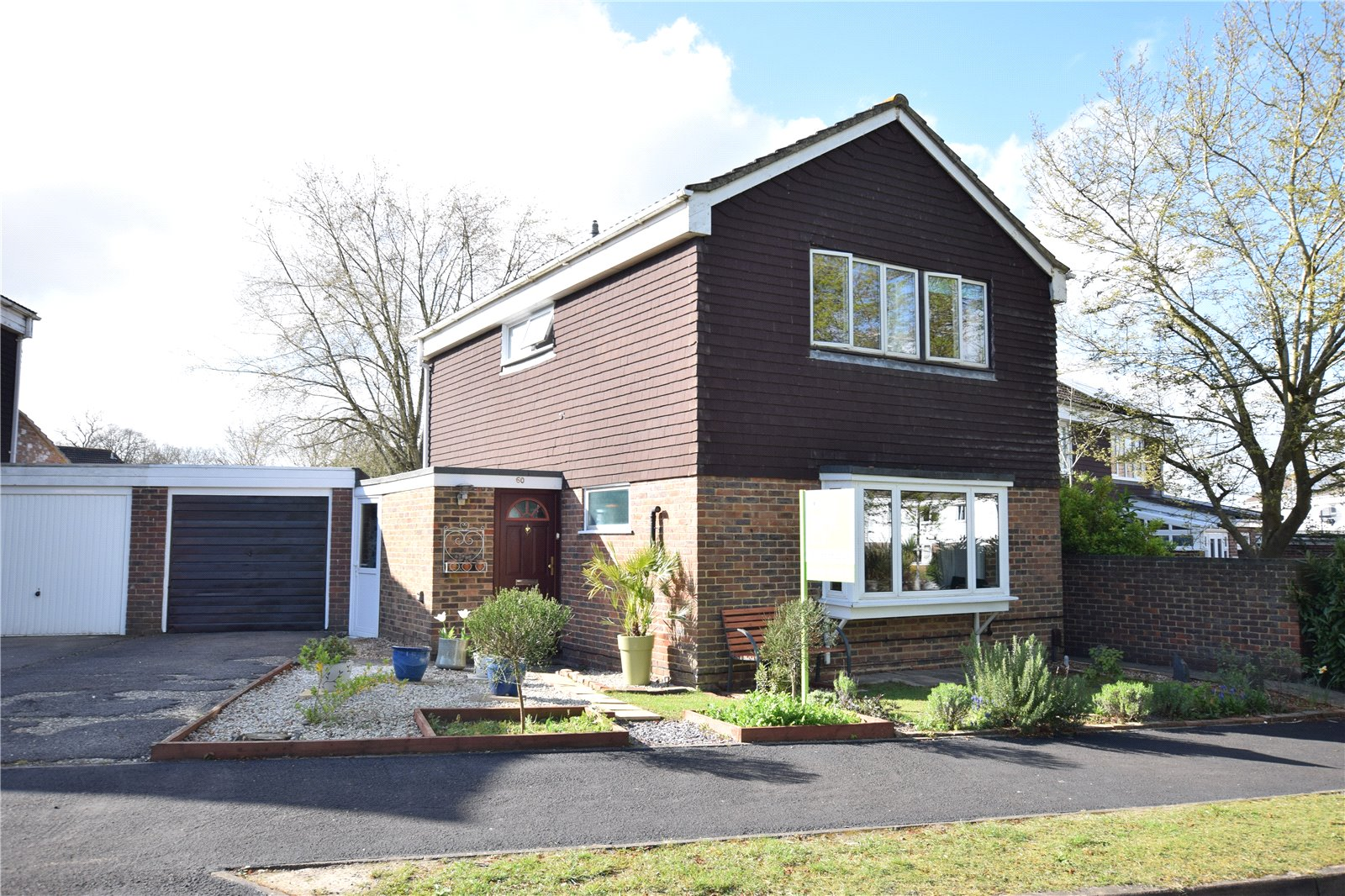 3 Bedrooms Detached House for sale in Staplehurst, Bracknell, Berkshire, RG12