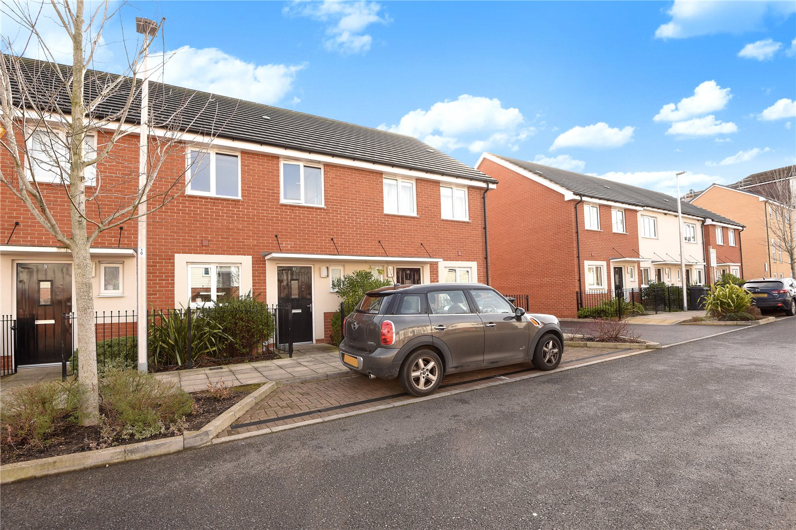 3 Bedrooms Terraced House for rent in St. Agnes Way, Reading, Berkshire, RG2