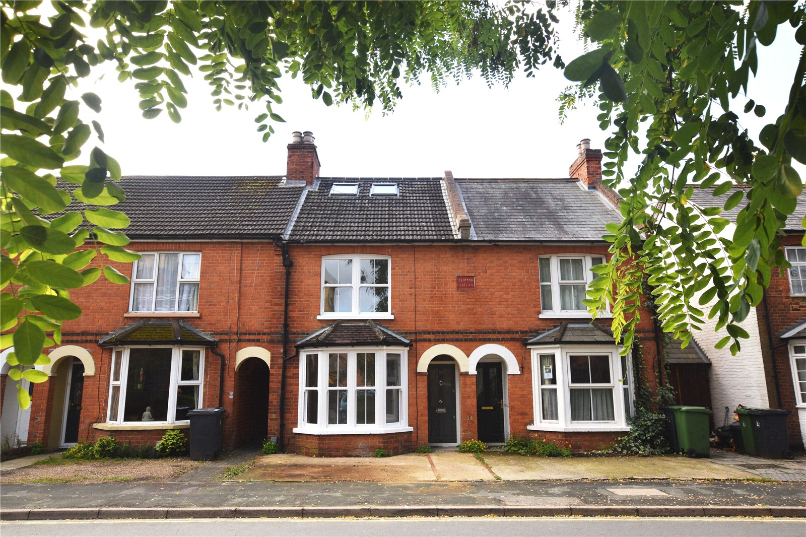 4 Bedrooms Terraced House for sale in Portesbery Road, Camberley, Surrey, GU15