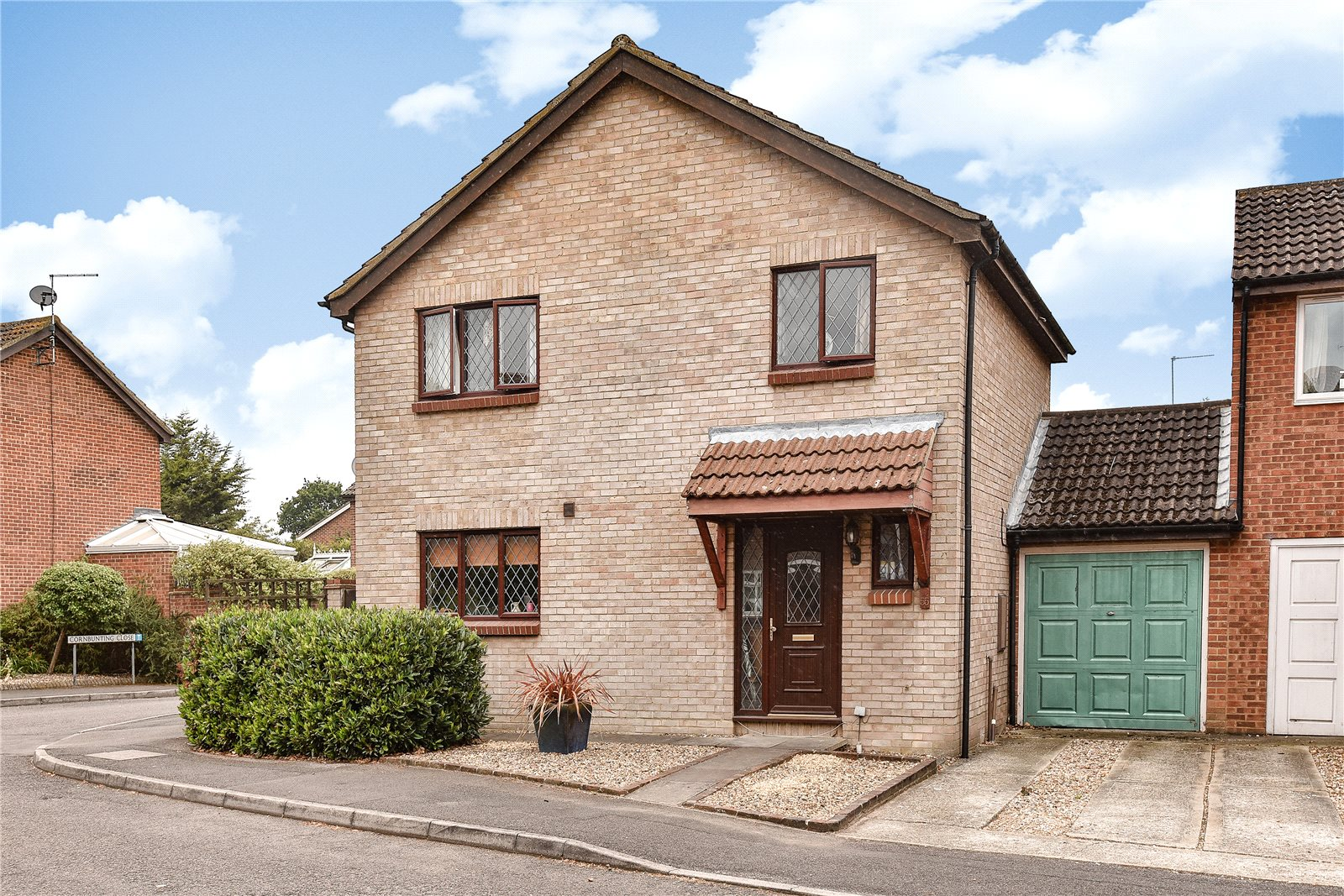 4 Bedrooms Detached House for sale in Avocet Crescent, College Town, Sandhurst, Berkshire, GU47