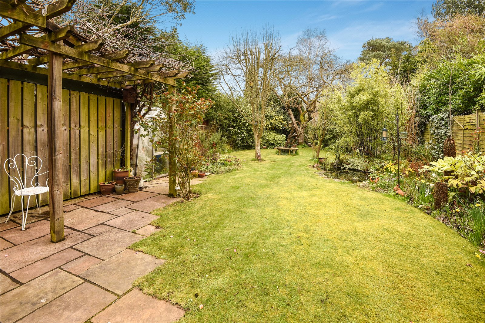 3 Bedrooms Detached Bungalow for sale in New Wokingham Road, Crowthorne, Berkshire, RG45