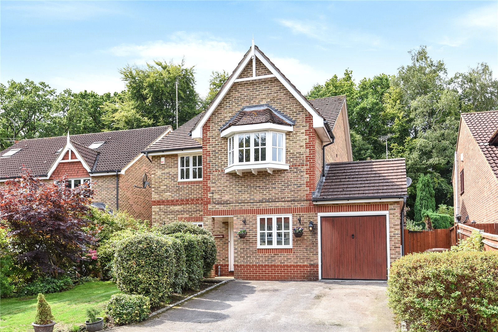 4 Bedrooms Detached House for sale in Kingsley Close, Crowthorne, Berkshire, RG45