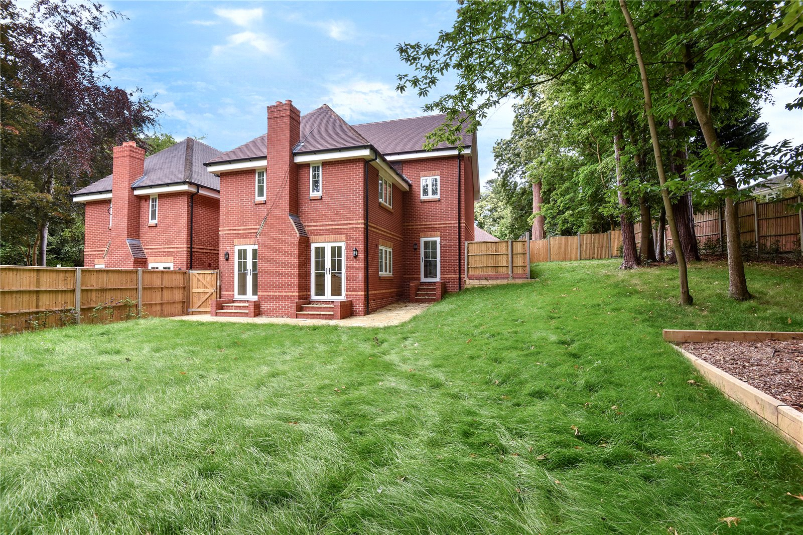 5 Bedrooms Detached House for sale in Prior End, Camberley, Surrey, GU15