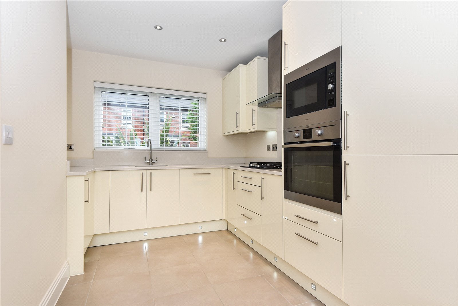 3 Bedrooms Town House for sale in Kingfisher Drive, Maidenhead, Berkshire, SL6