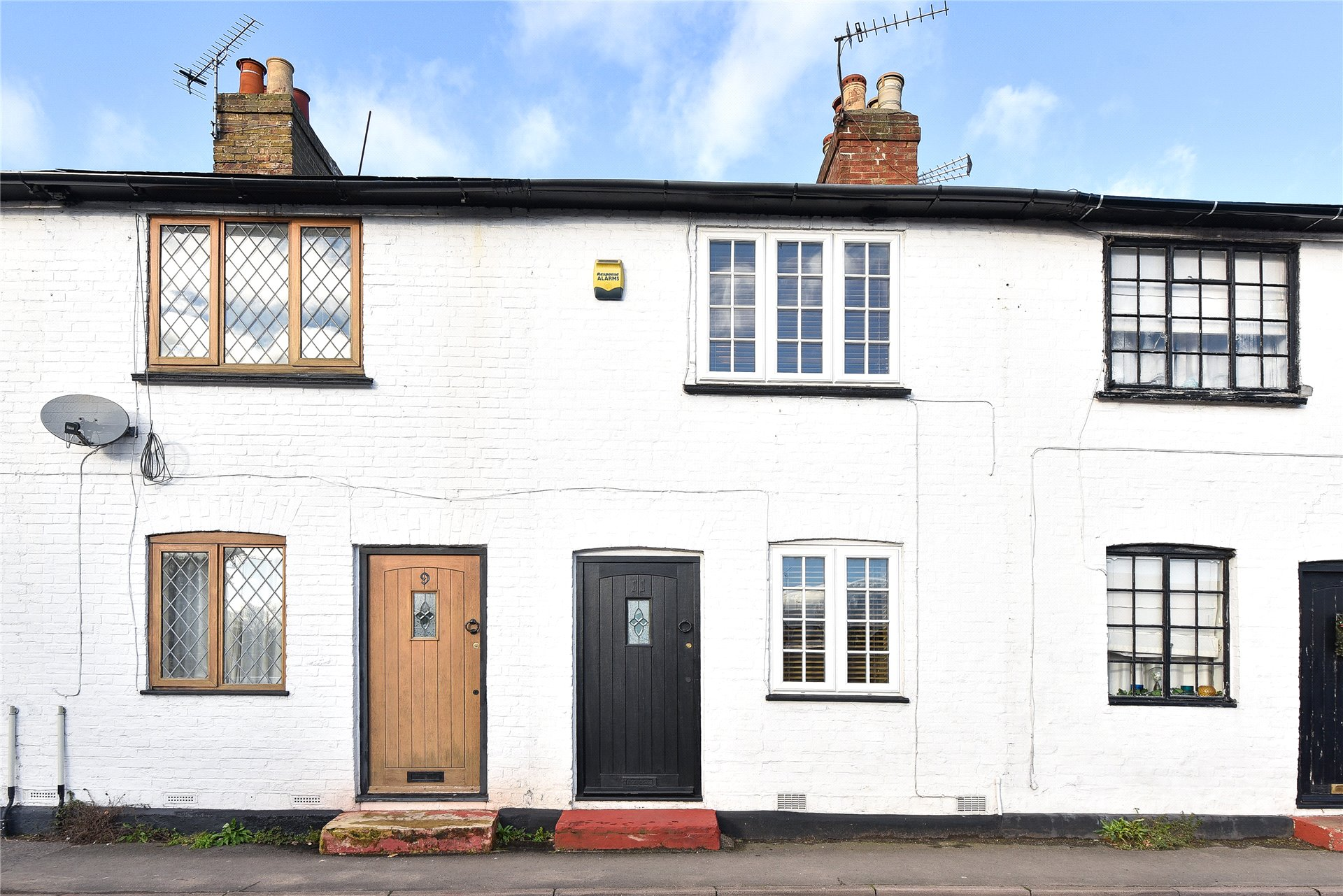 2 Bedrooms Terraced House for sale in Lincoln Hatch Lane, Burnham, Buckinghamshire, SL1