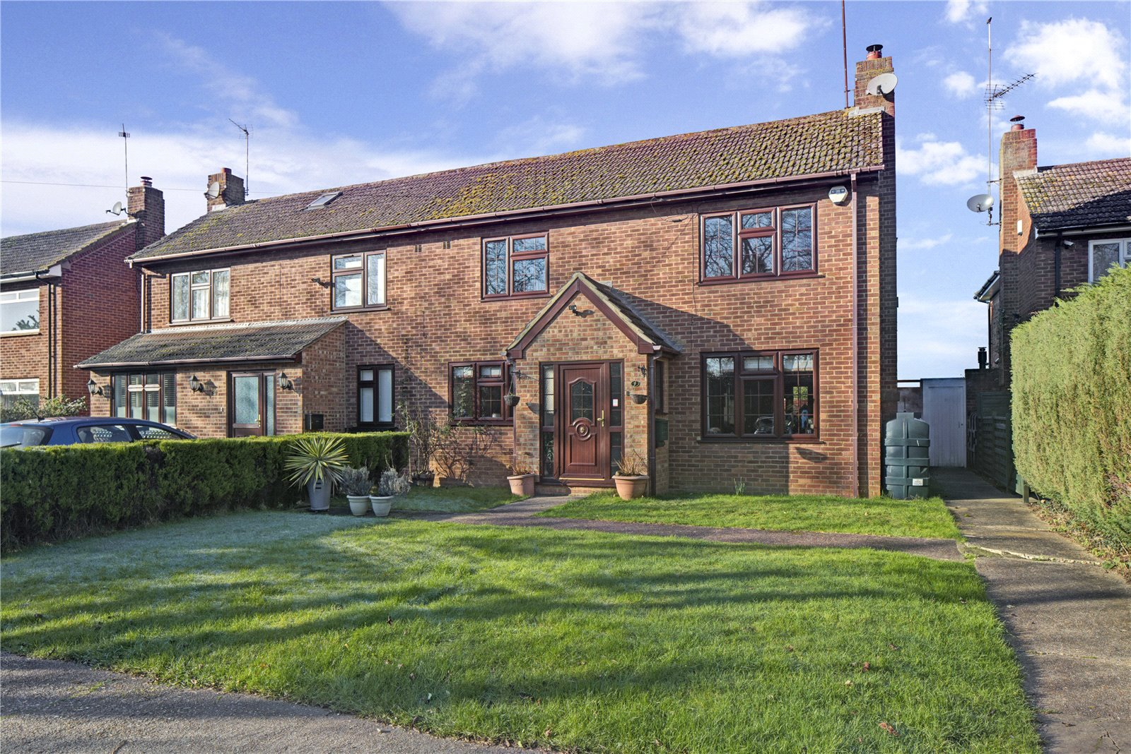 3 Bedrooms Semi Detached House for sale in Church View, White Waltham, Maidenhead, Berkshire, SL6