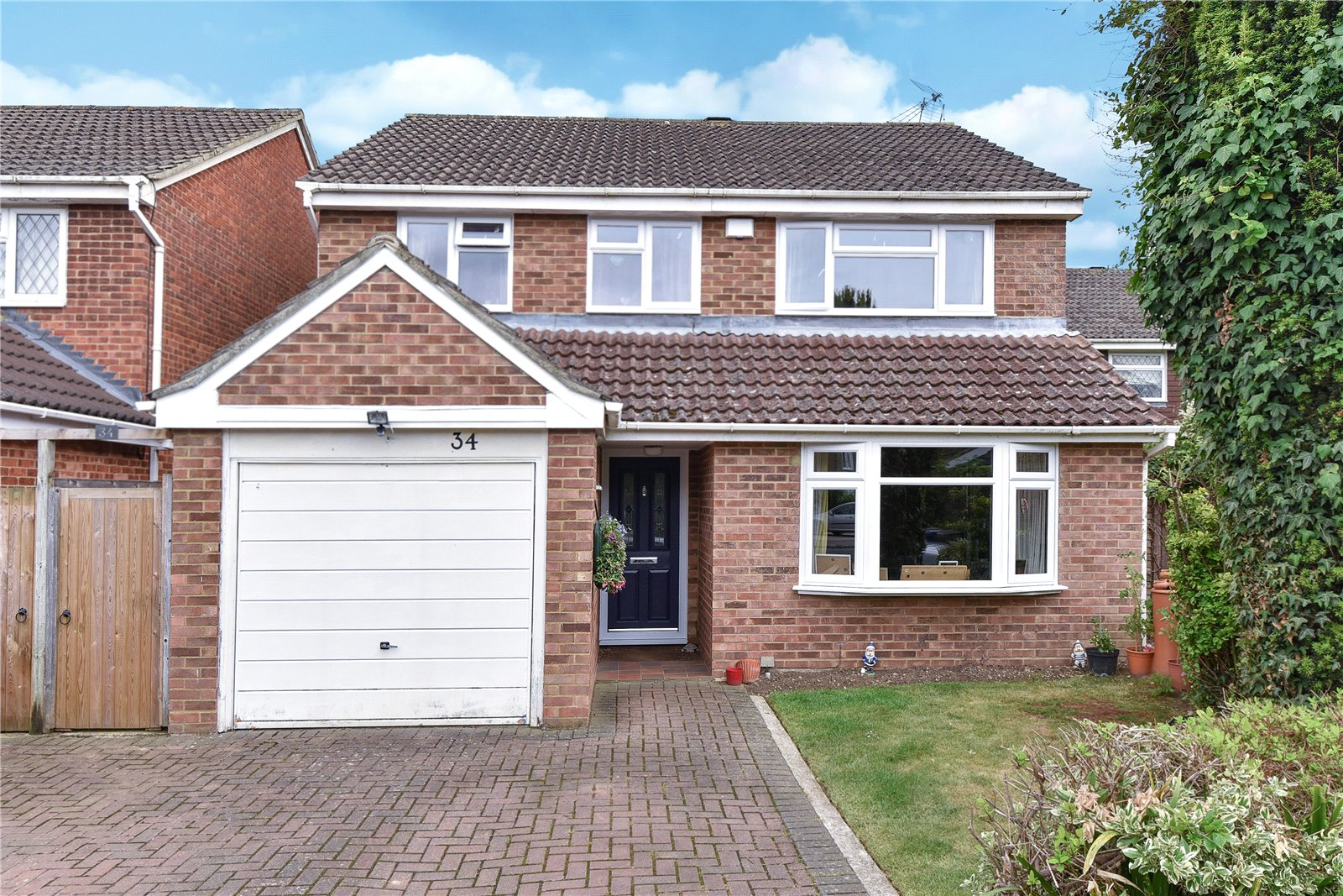4 Bedrooms Detached House for sale in Springfield Park, Maidenhead, Berkshire, SL6
