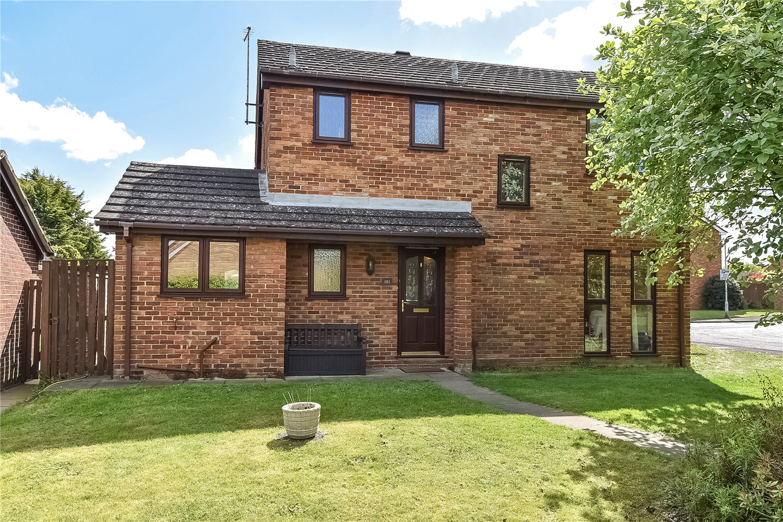 4 Bedrooms House for sale in Tithe Barn Drive, Maidenhead, Berkshire, SL6