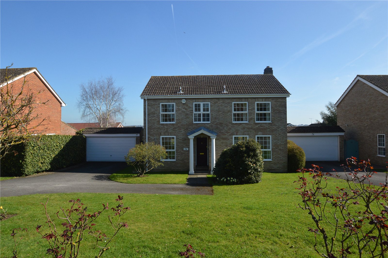 4 Bedrooms Detached House for sale in Switchback Road North, Maidenhead, Berkshire, SL6